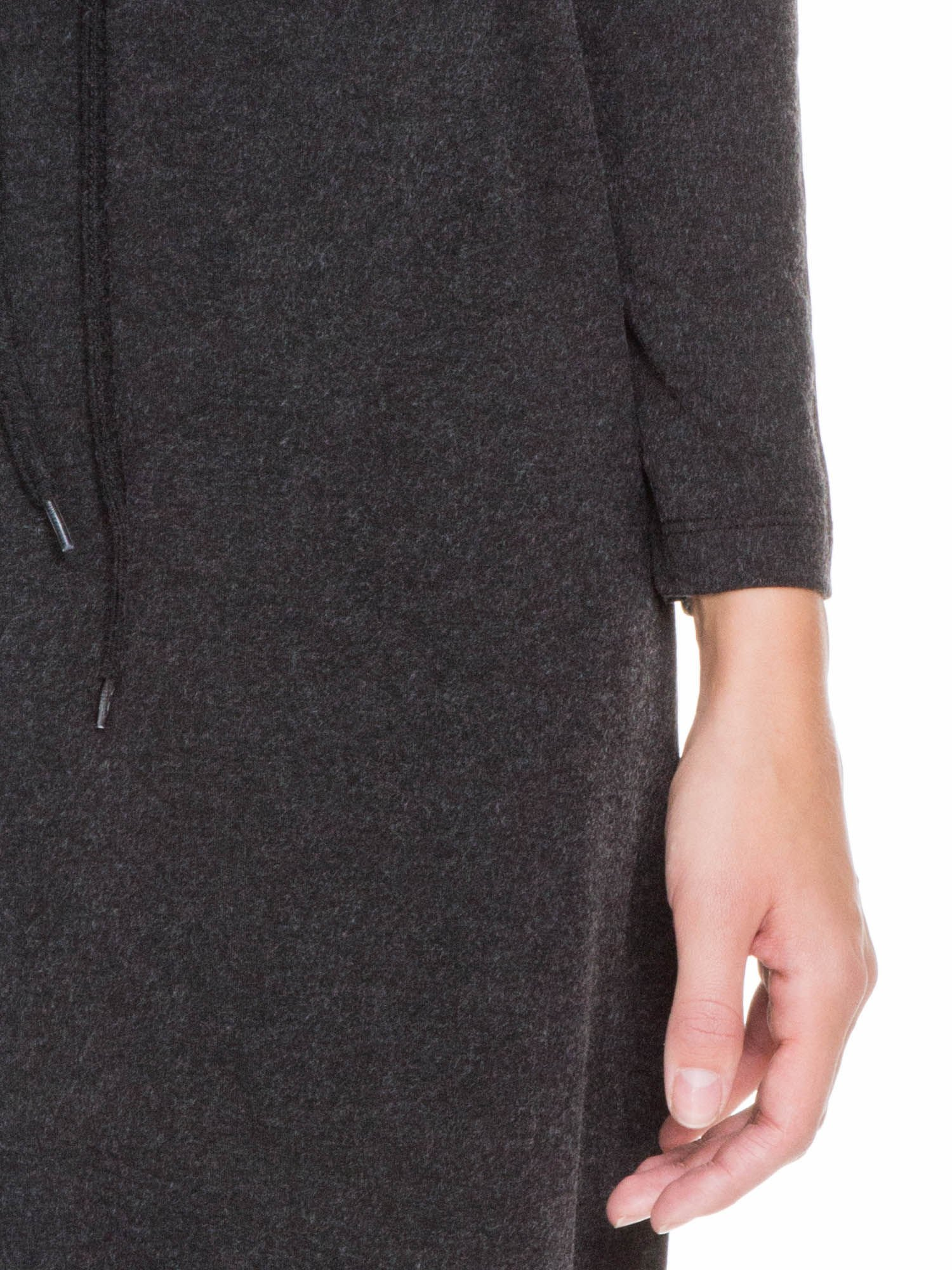 Szara melanżowa sukienka z wiązaniem w talii                                  zdj.                                  6