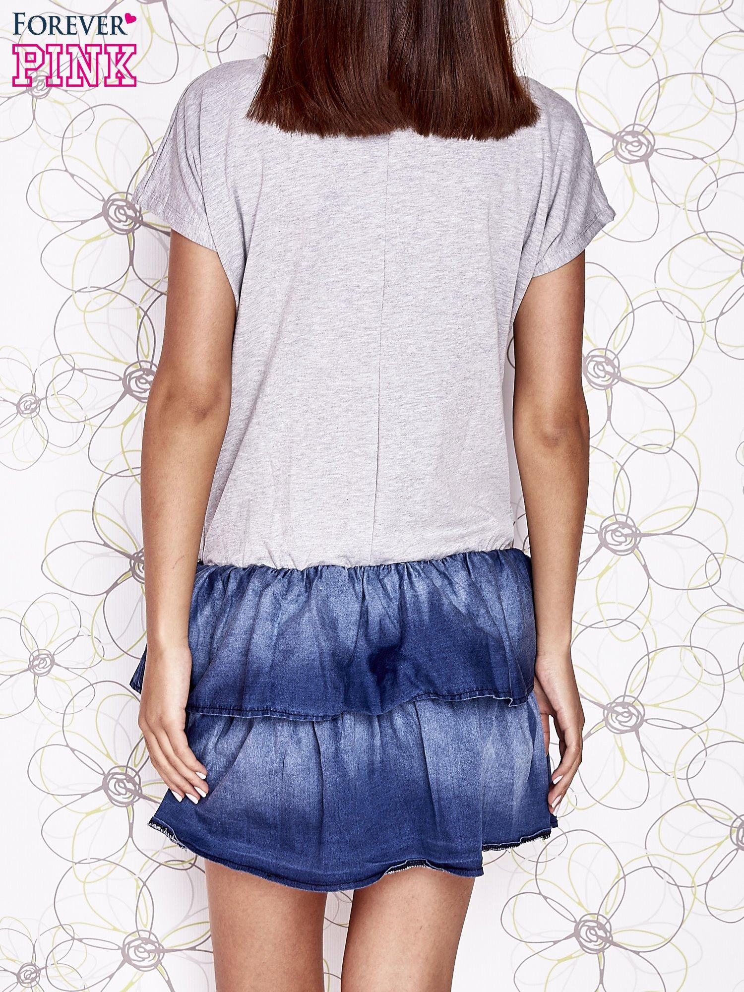 Szara sukienka dresowa z jeansowym dołem                                  zdj.                                  4