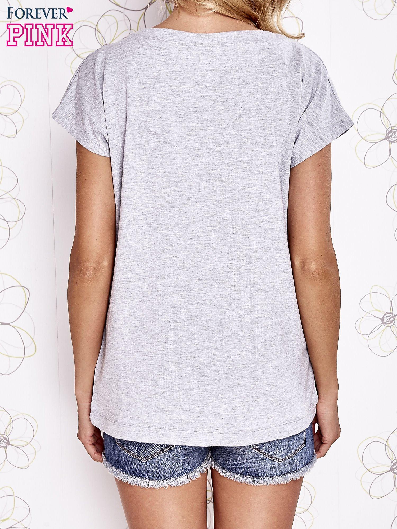 Szara t-shirt z aplikacją owadów                                  zdj.                                  2