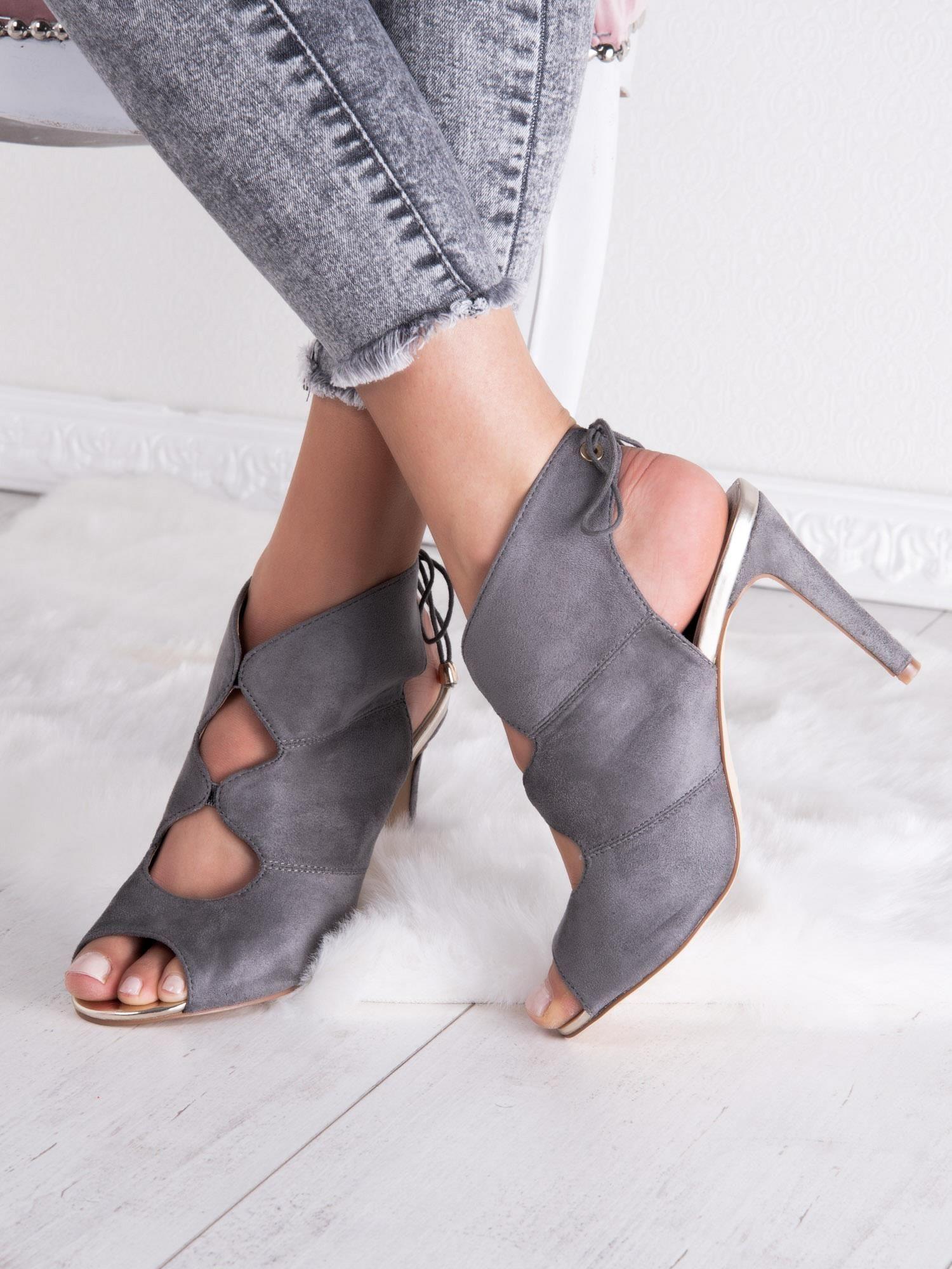 sandały z piet