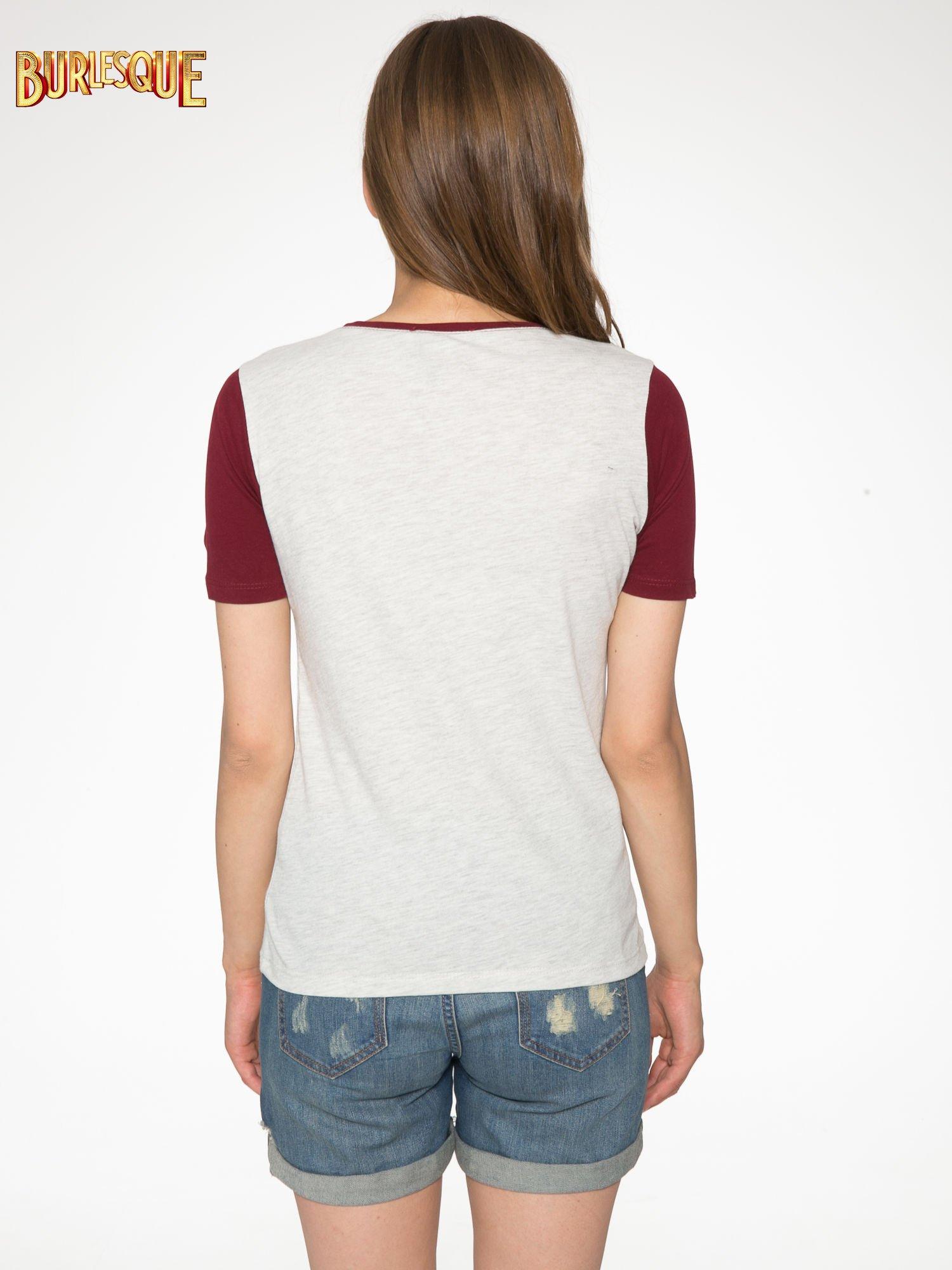 Szaro-bordowy t-shirt z napisem DREAMY VIBES 86 PARIS                                  zdj.                                  4