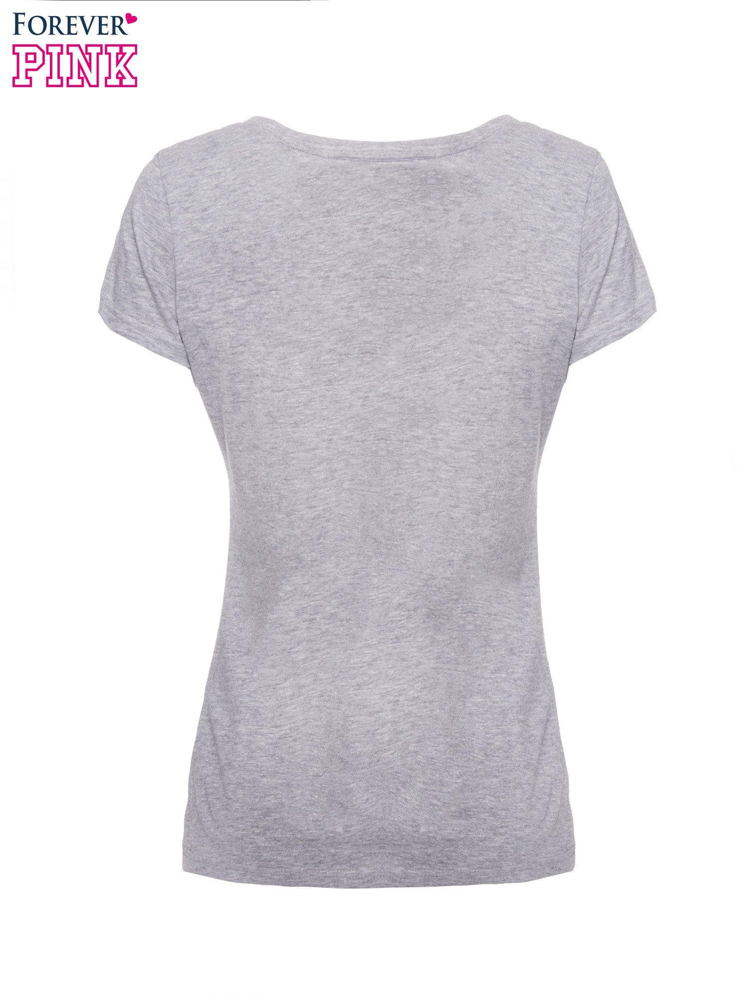 Szary basicowy t-shirt z dekoltem w serek                                  zdj.                                  5