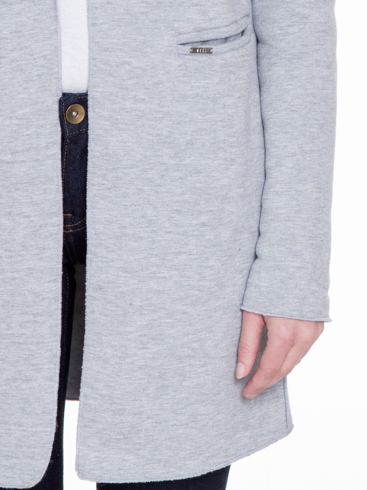 Szary dresowy bluzopłaszczyk o pudełkowym kroju                                  zdj.                                  6