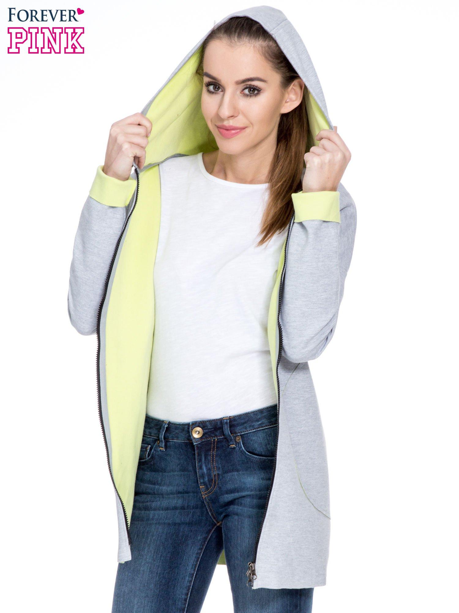 Szary dresowy płaszcz oversize z zieloną podszewką                                  zdj.                                  5