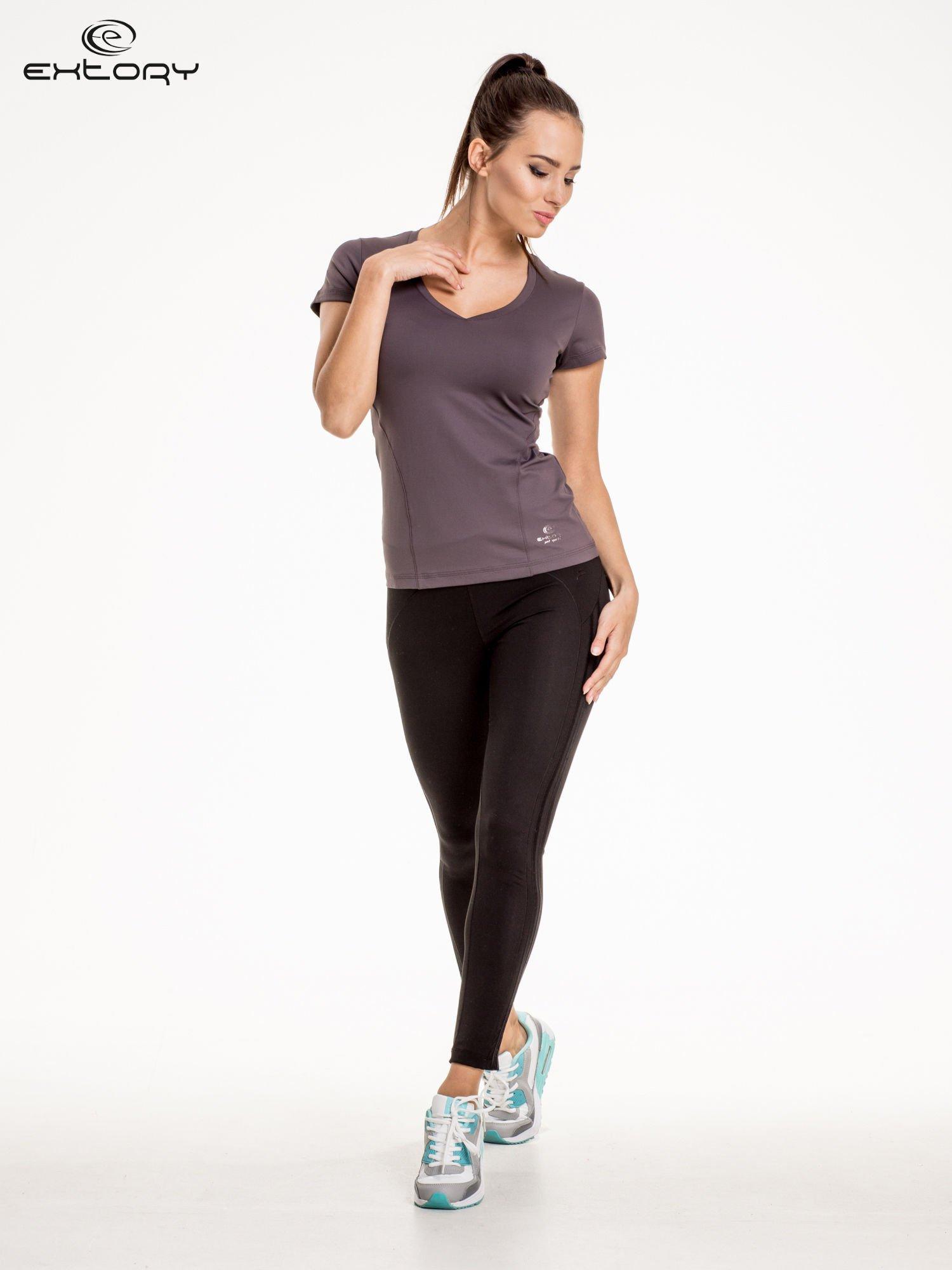 Szary modelujący damski t-shirt sportowy                                   zdj.                                  2