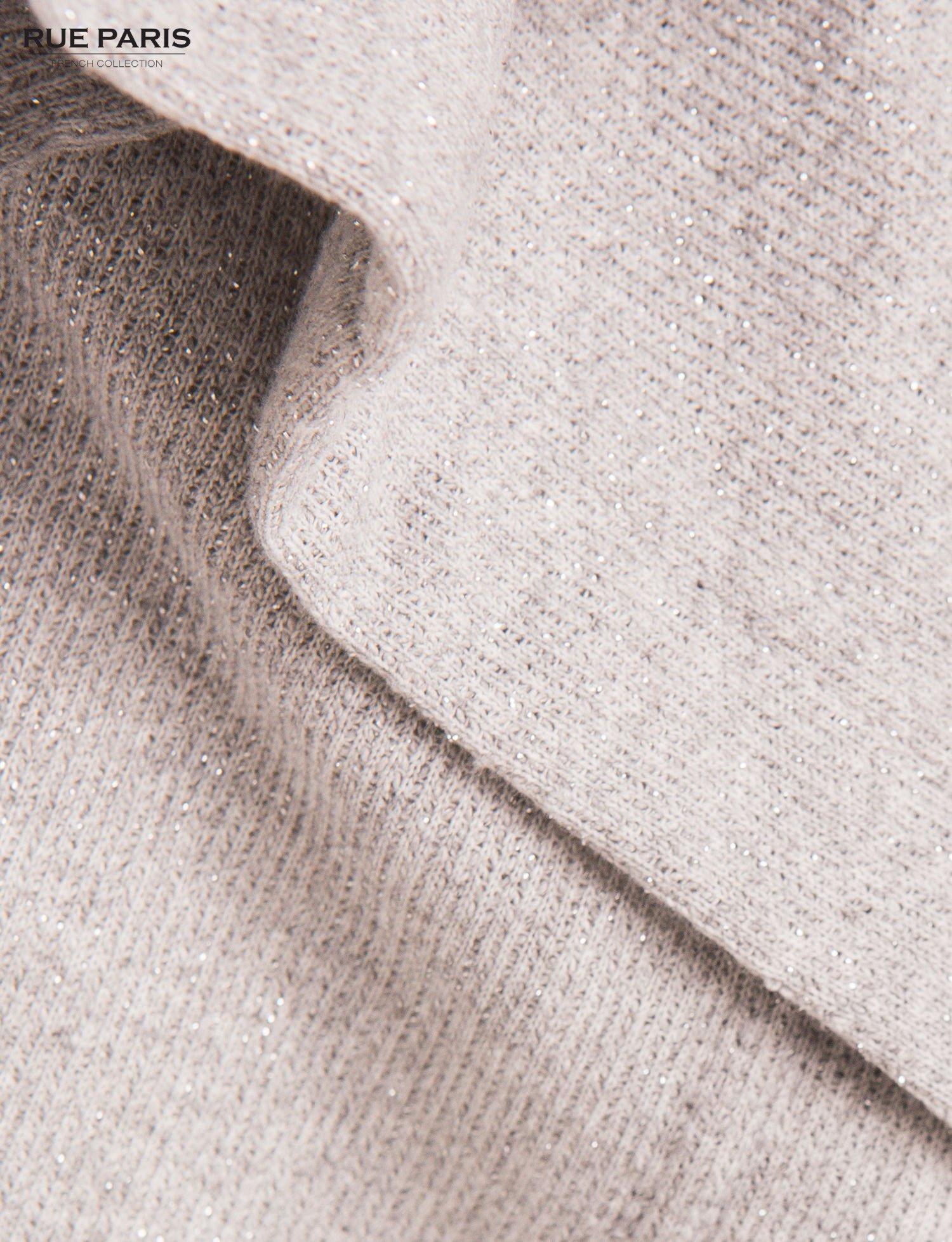 Szary sweter narzutka z dresowej dzianiny przeplatanej metalizowaną nicią                                  zdj.                                  4