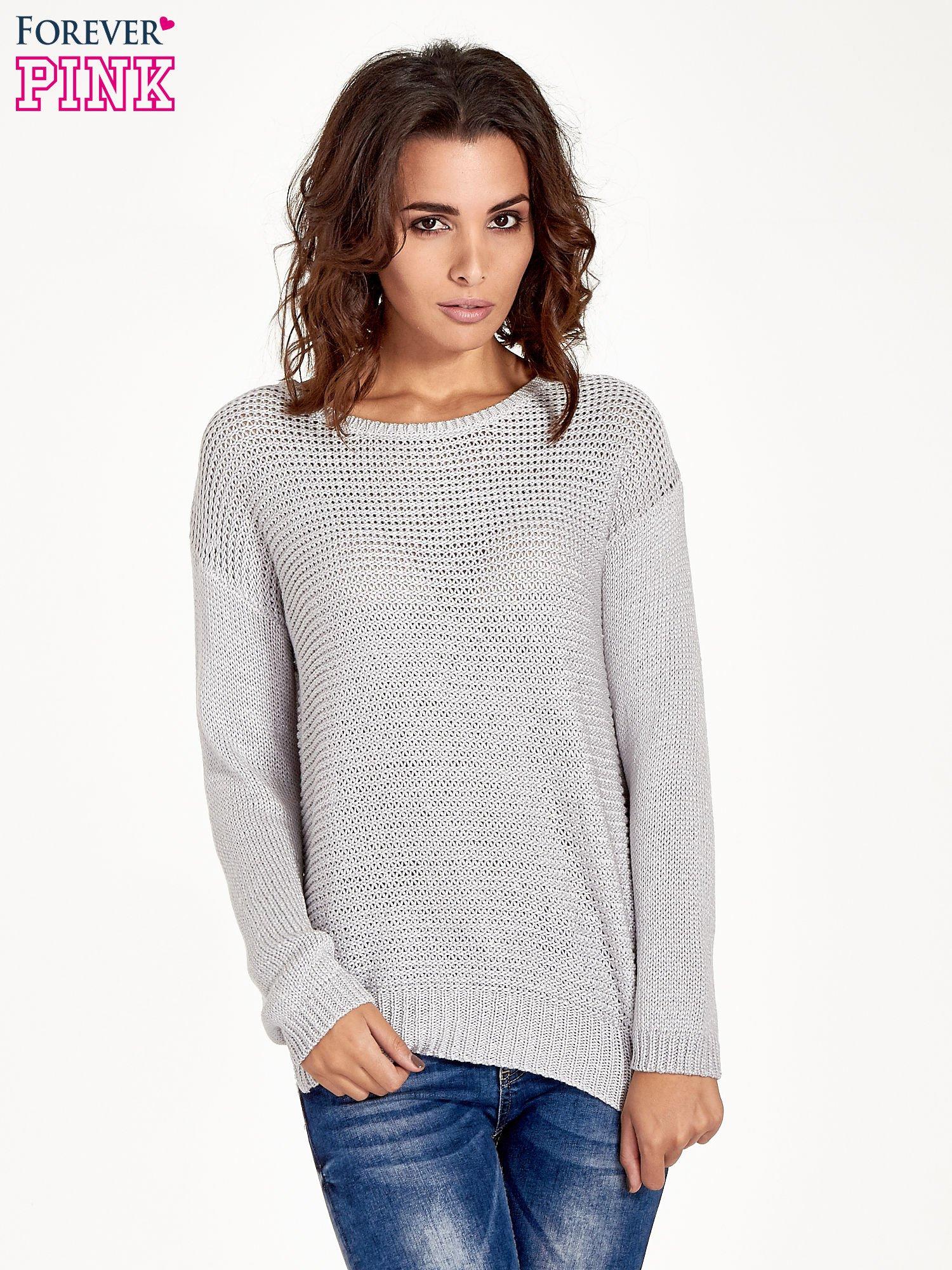 Szary sweter o większych oczkach                                  zdj.                                  1