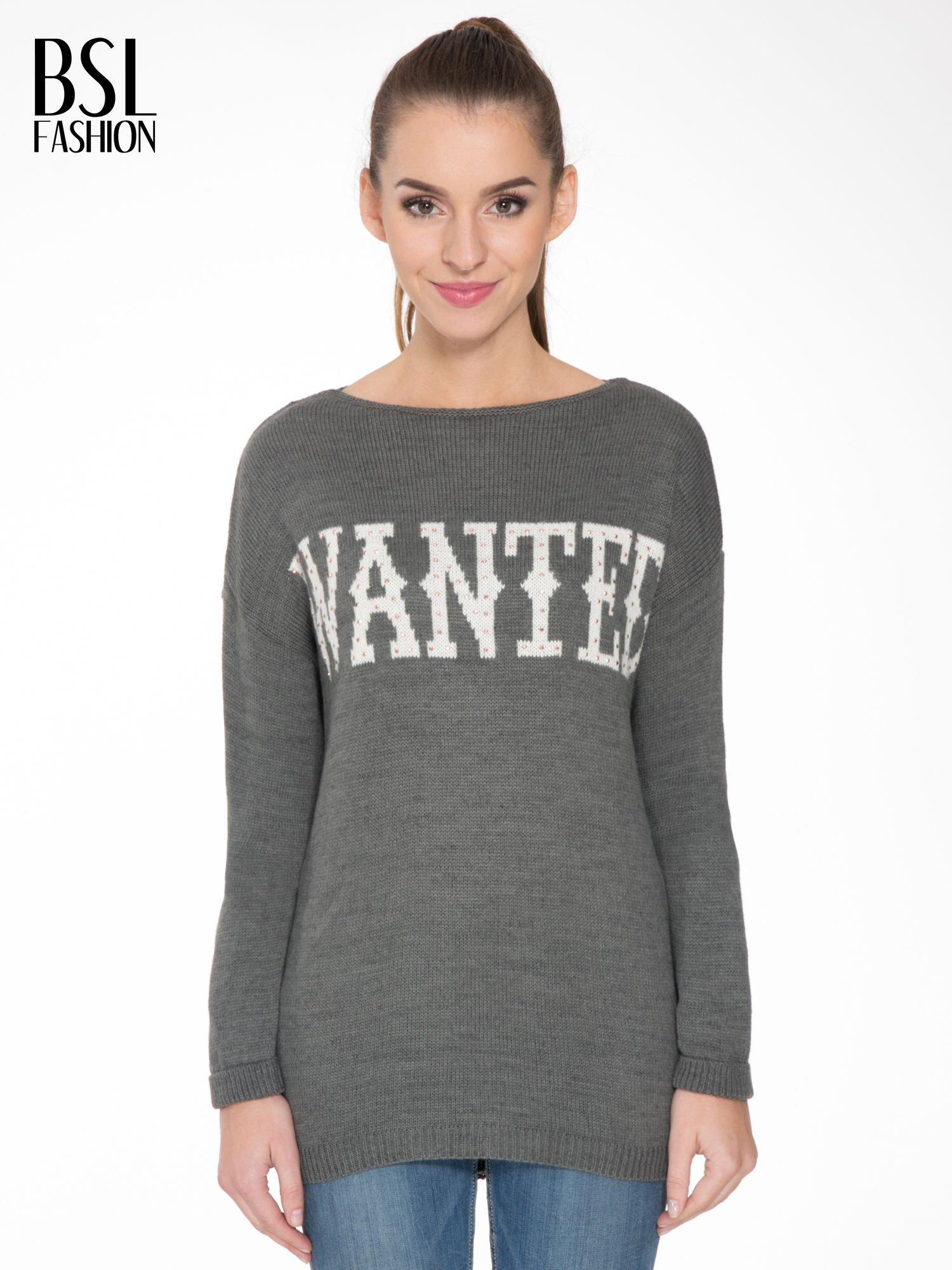 Szary sweter z nadrukiem WANTED i dżetami                                  zdj.                                  1