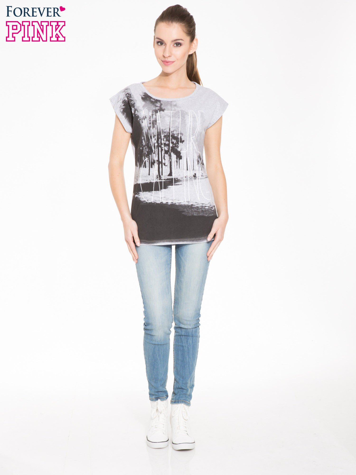 Szary t-shirt z nadrukiem NATURE                                  zdj.                                  4