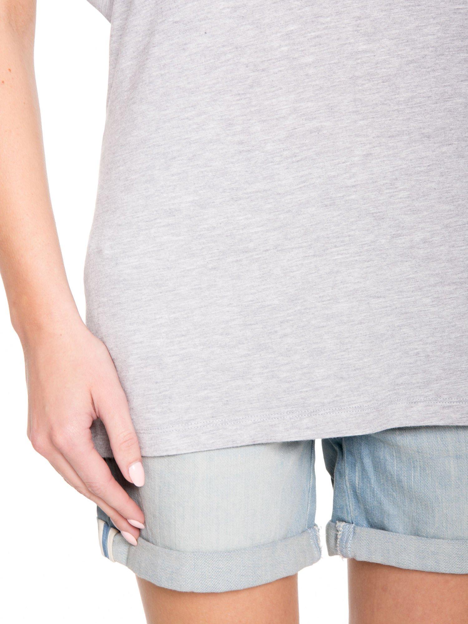 Szary t-shirt z nadrukiem ROCK na plecach                                  zdj.                                  7