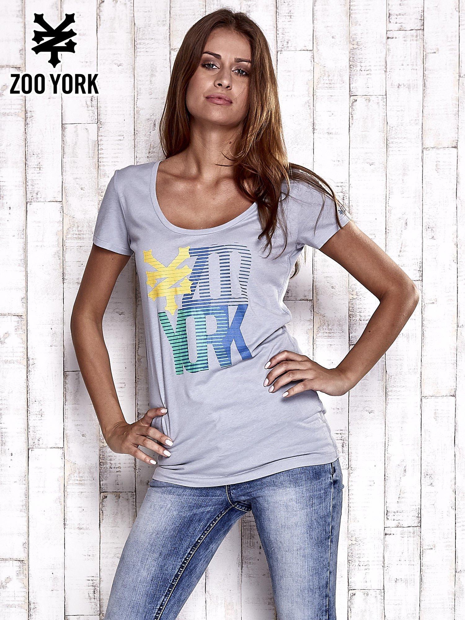 Szary t-shirt z nadrukiem ZOO YORK                                  zdj.                                  3