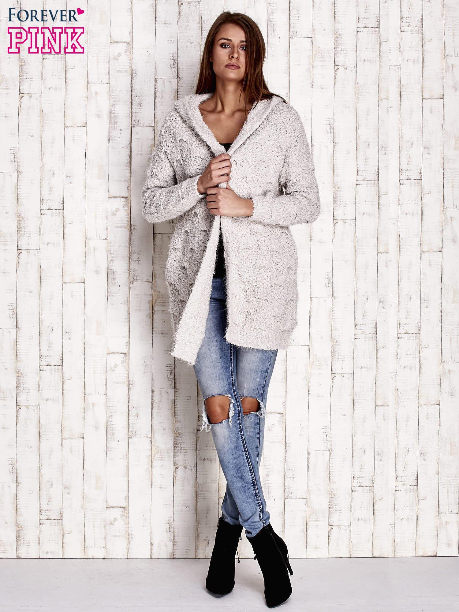 Szary włochaty sweter z kapturem                                  zdj.                                  2