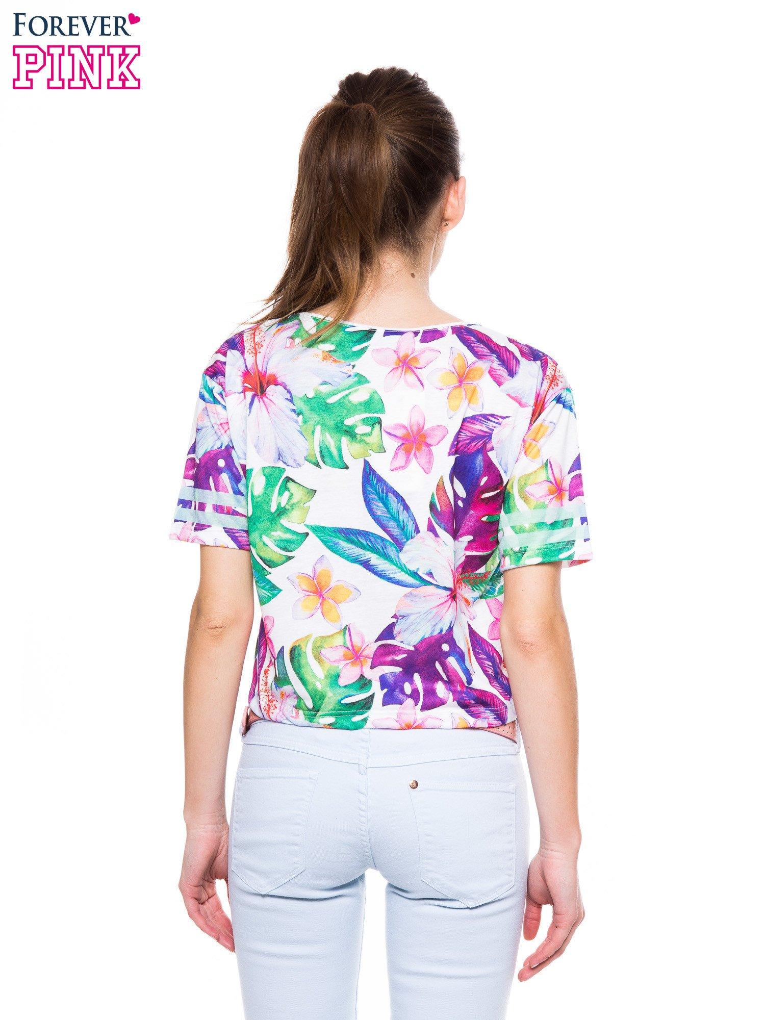 T-shirt crop top z exotic printem                                  zdj.                                  3