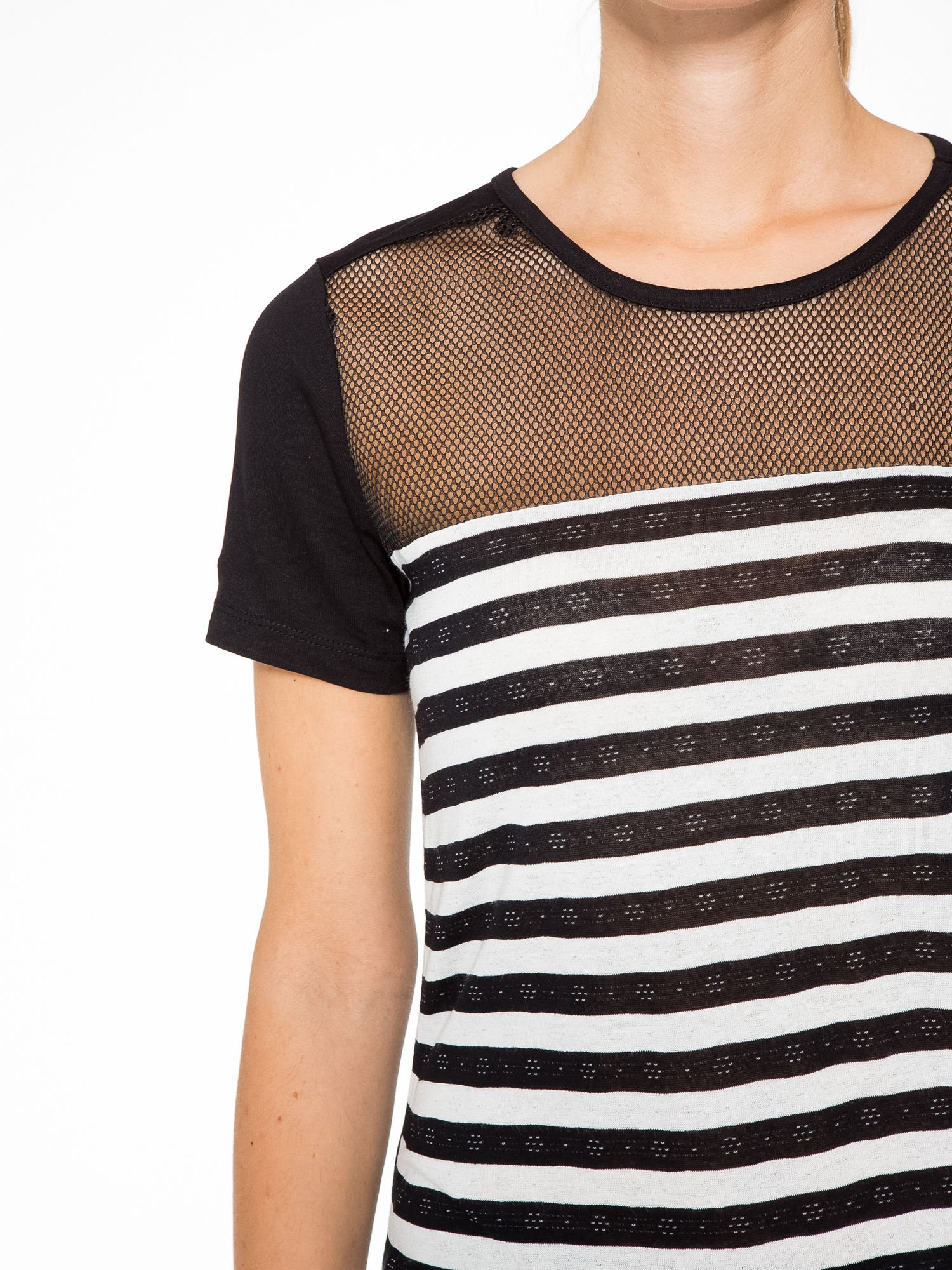 T-shirt w biało-czarne paski z siateczkową górą                                  zdj.                                  6