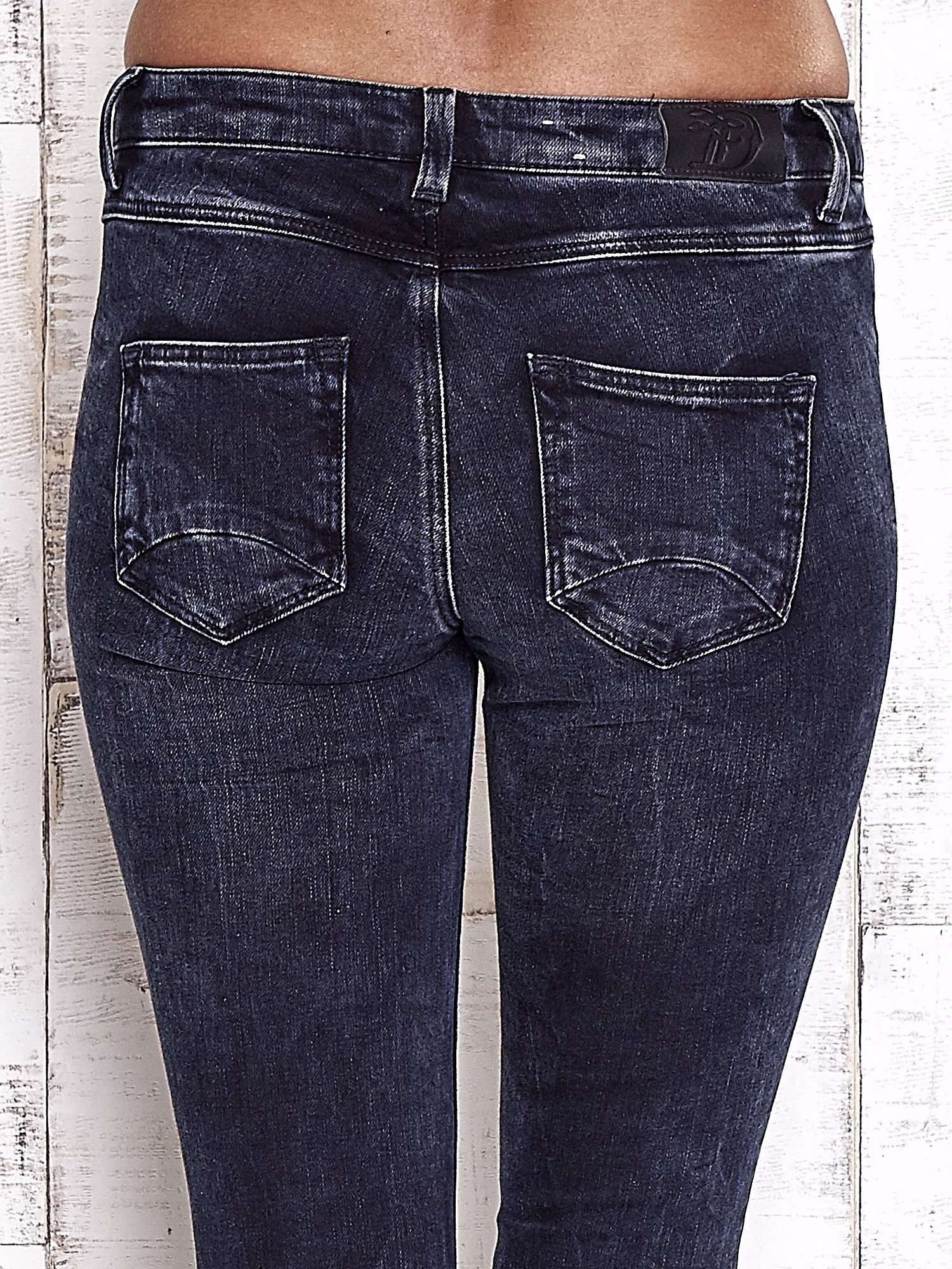 TOM TAILOR Granatowe przecierane jeansy                                  zdj.                                  6