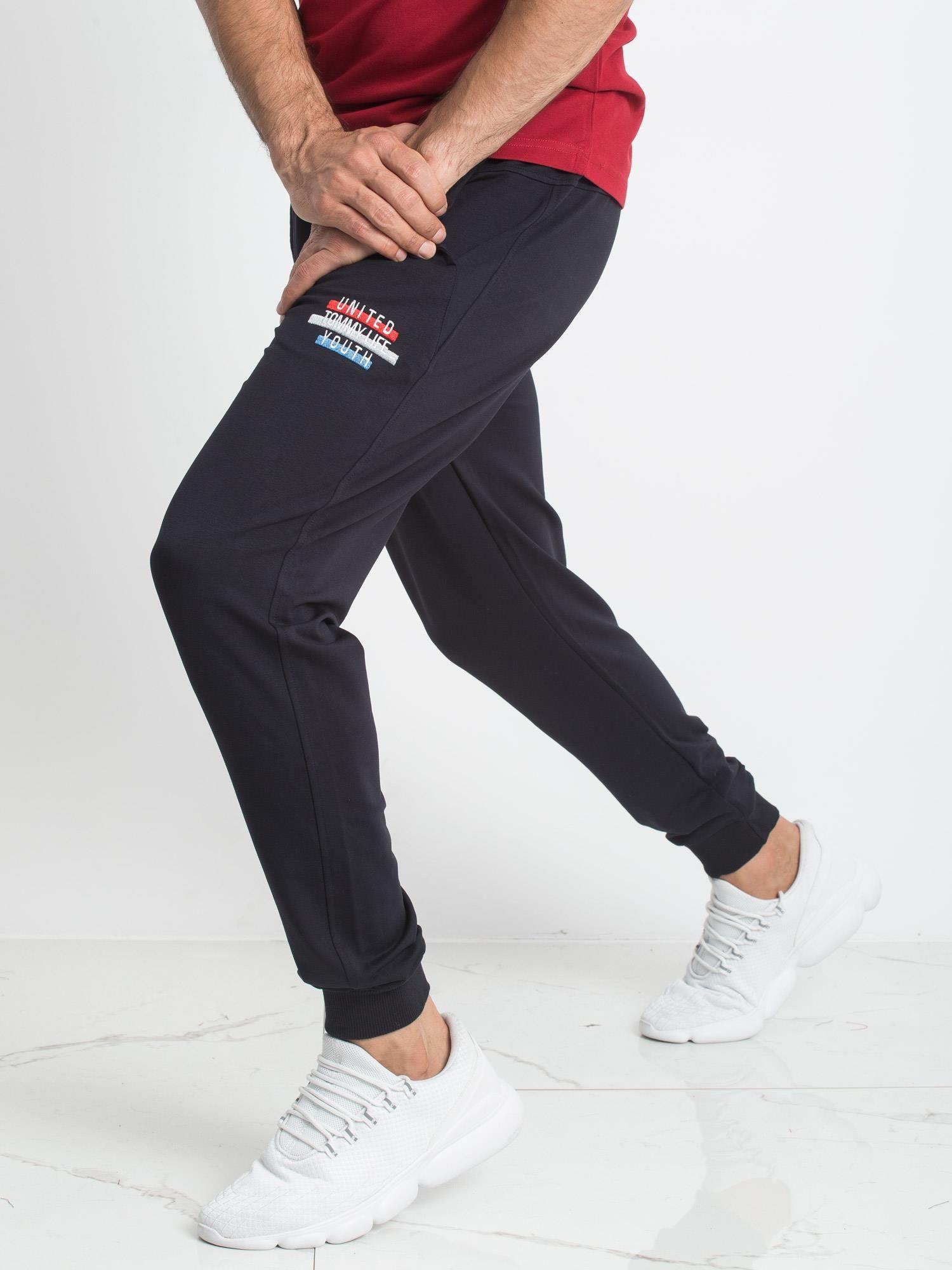 e1c80aa4f20b3a TOMMY LIFE Granatowe spodnie dresowe męskie - Mężczyźni Spodnie ...