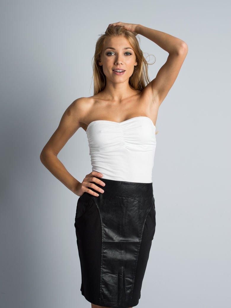 Kobiece Bluzki zgodne z najnowszymi trendami w modzie kobiecej. Modne Bluzki kupisz online na Floryday - w Twoim ulubionym ekskluzywnym sklepie.