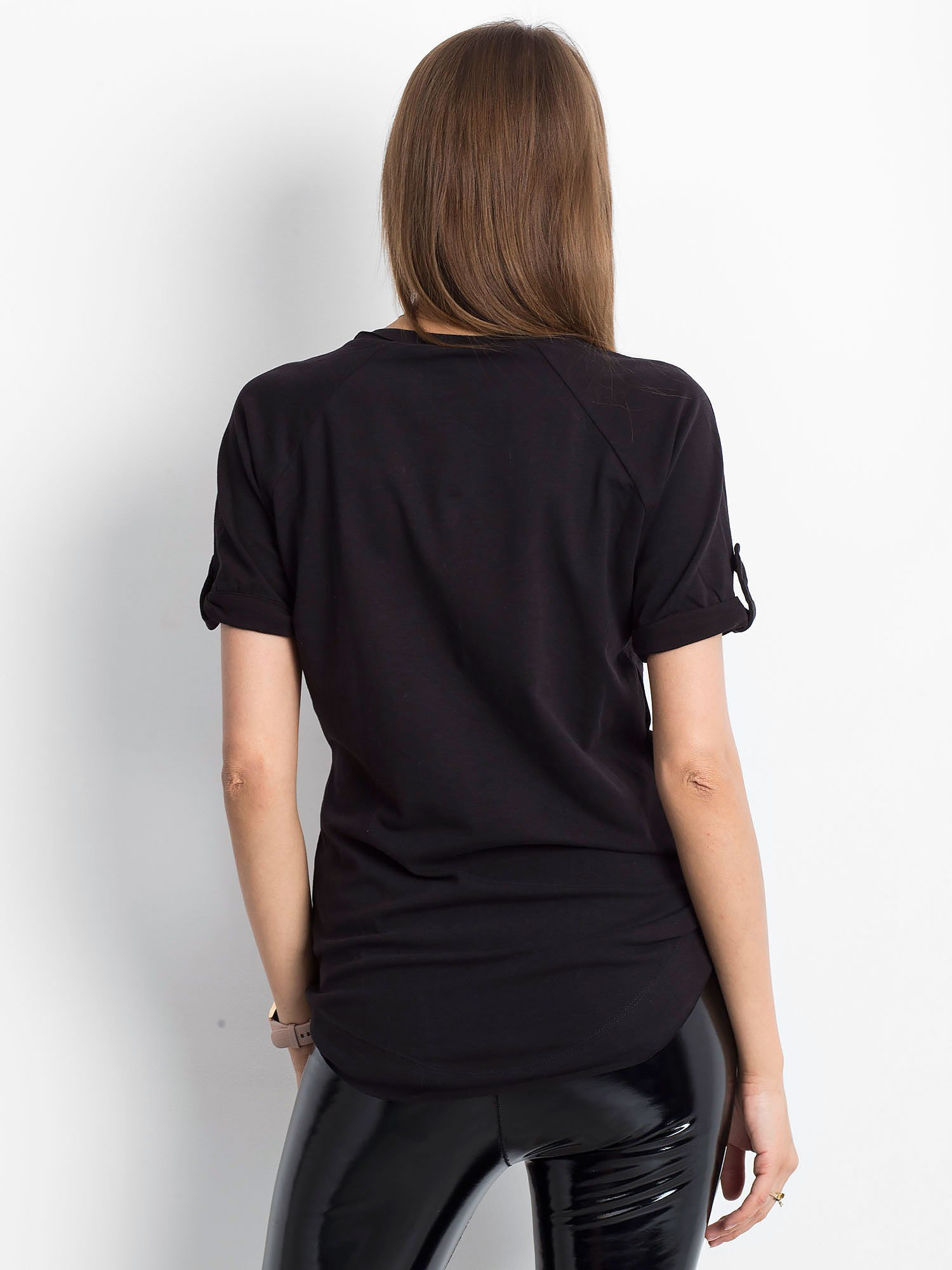 692979871c03f9 VIA DELLE ROSE Czarna bluzka ze złotymi łańcuszkami - Bluzka z ...