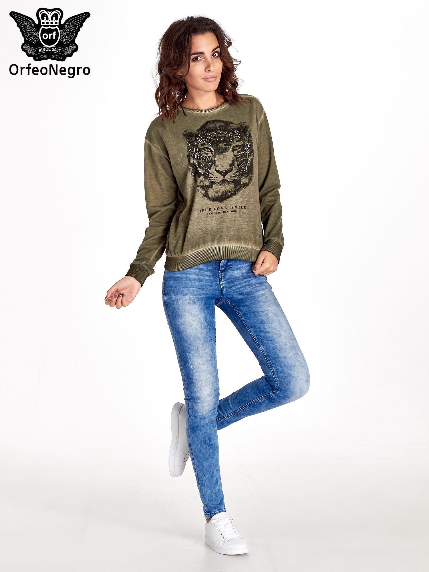 Zielona bluza z nadrukiem tygrysa i dżetami                                  zdj.                                  2