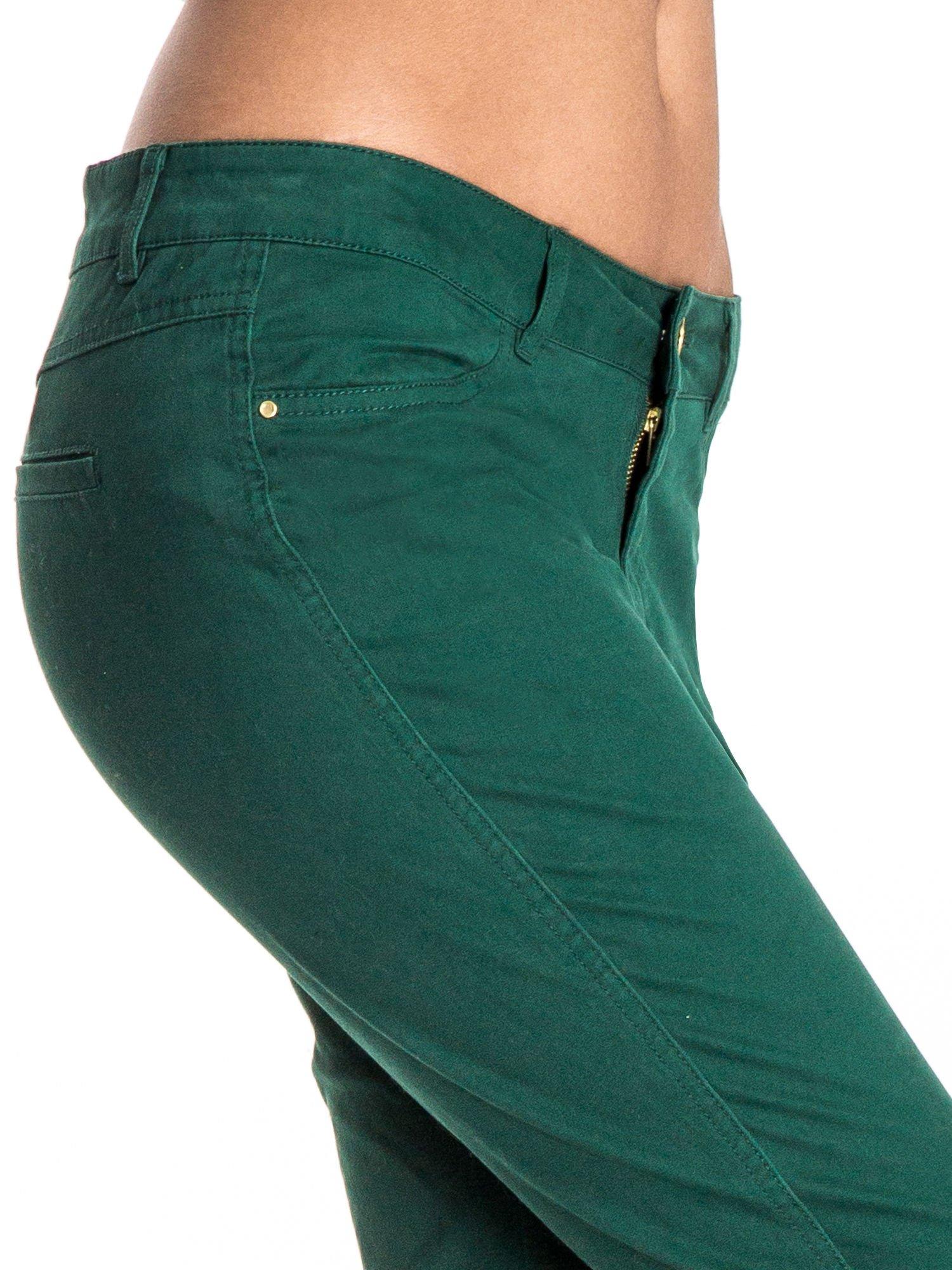 Zielone spodnie materiałowe w stylu chinos                                  zdj.                                  6