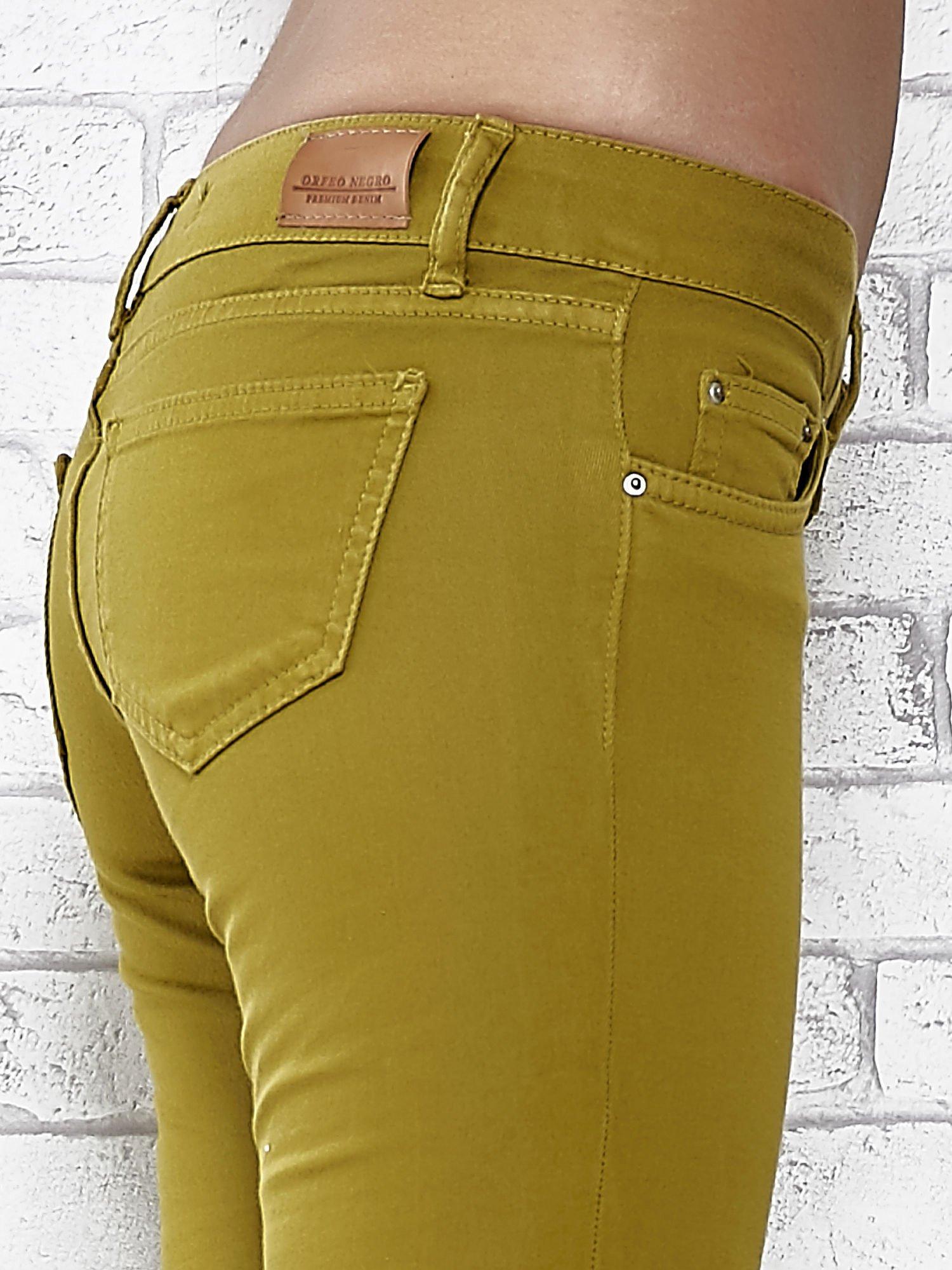 Zielone spodnie typu skinny z elastycznego materiału                                  zdj.                                  5