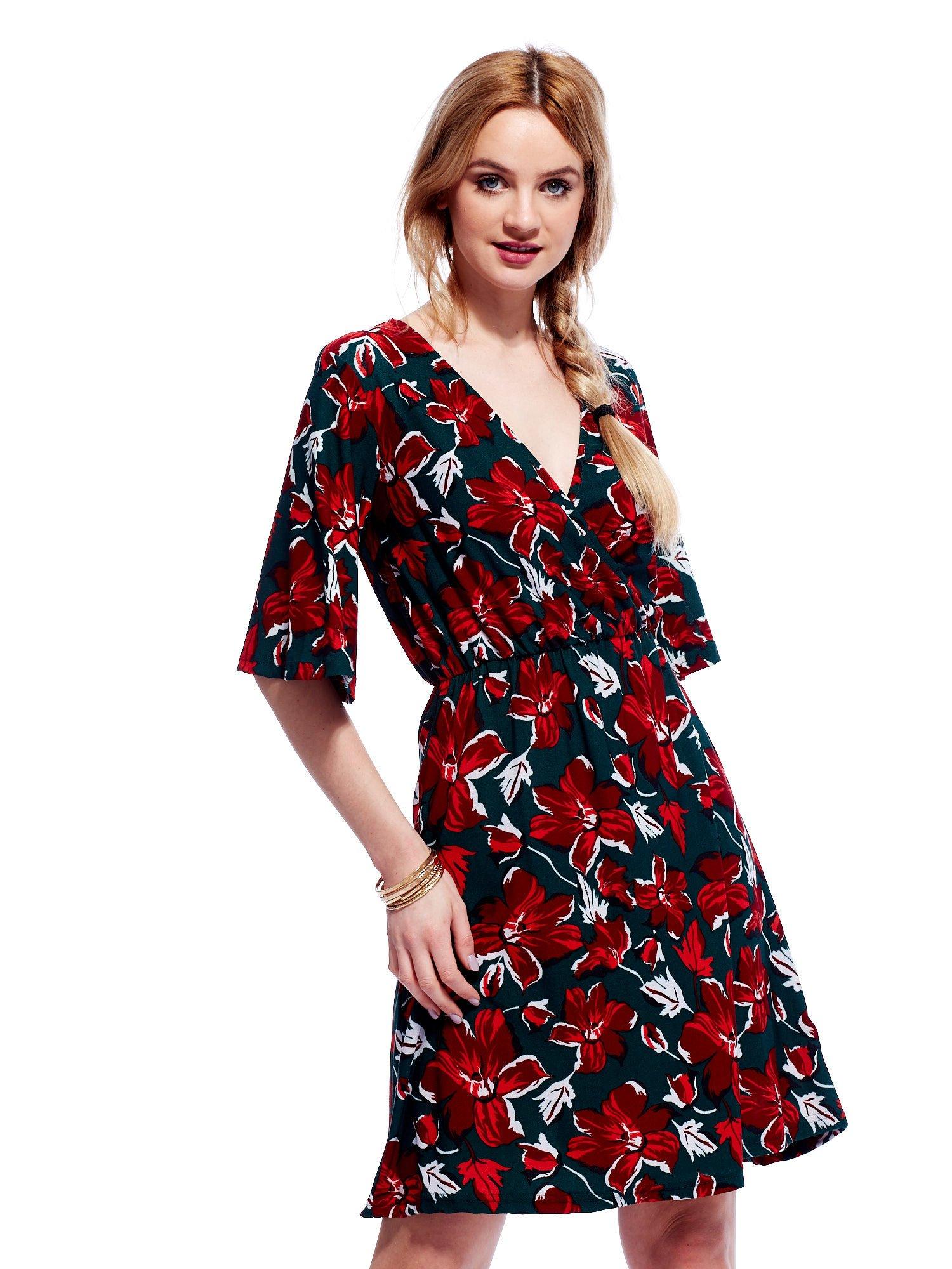 7a62aa53e4 Zielono-czerwona sukienka w kwiaty z kopertowym dekoltem - Sukienka ...