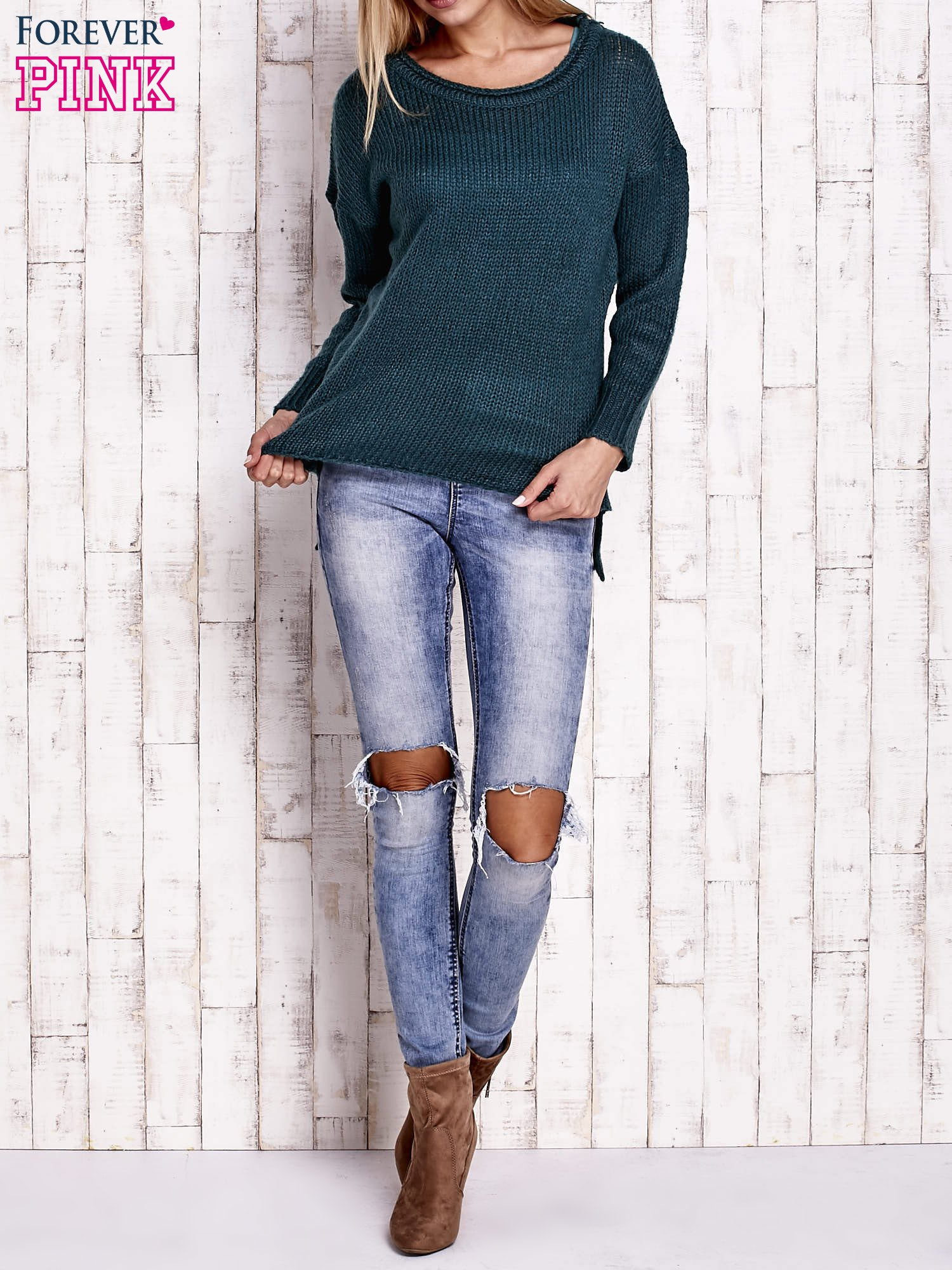 Zielony dzianinowy sweter z dłuższym tyłem                                  zdj.                                  2