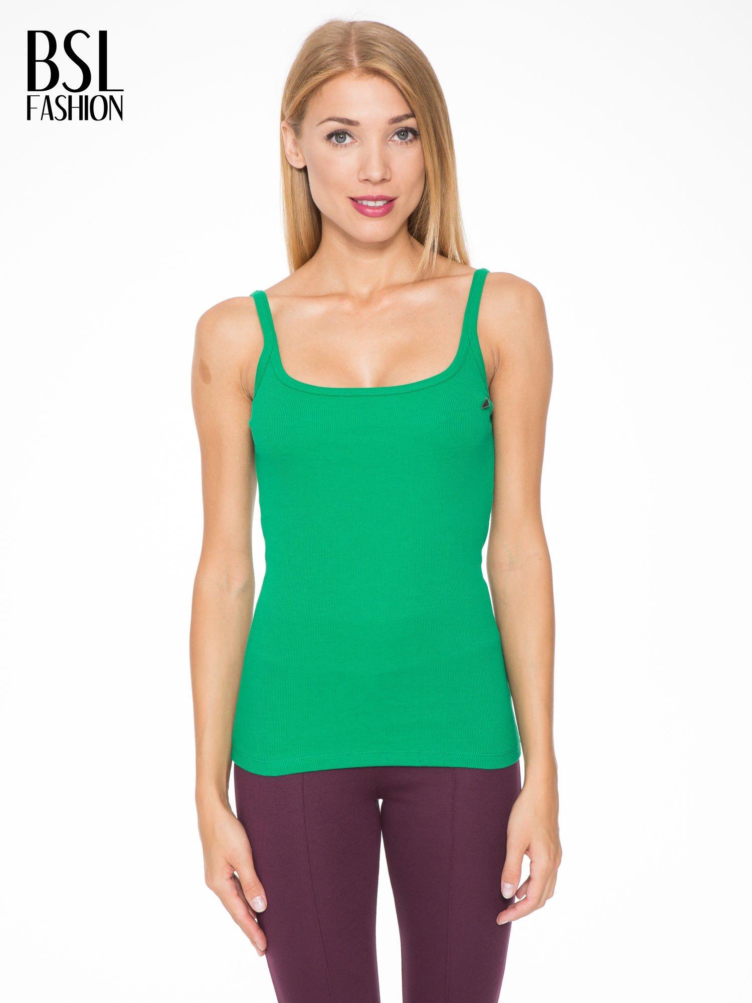 Zielony prążkowany top na cienkich ramiączkach                                  zdj.                                  1