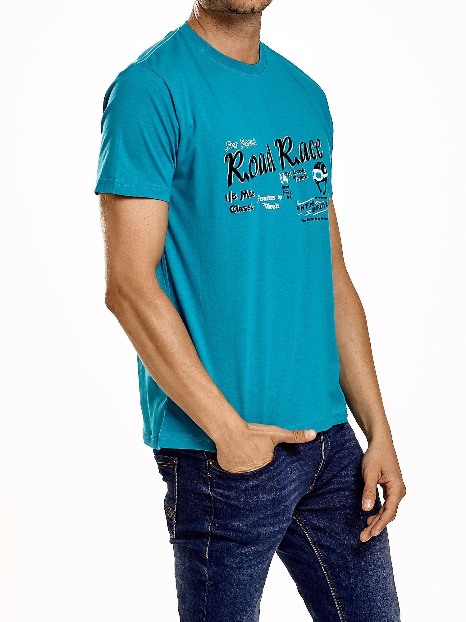 Zielony t-shirt męski z wyścigowym napisem ROAD RACE                                  zdj.                                  3