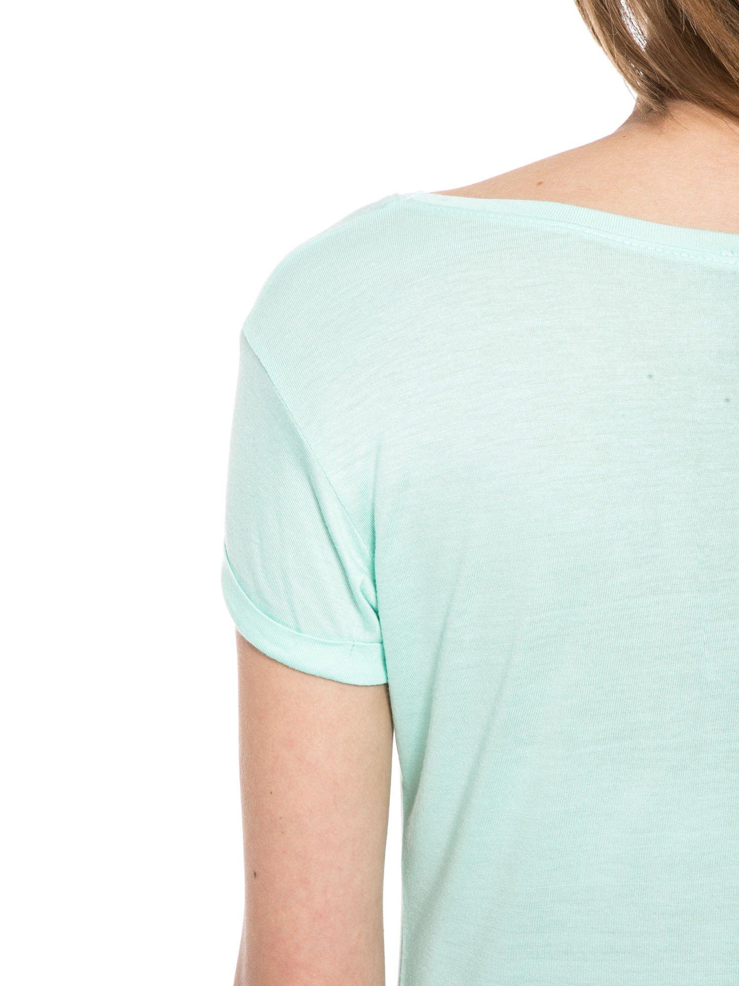 Zielony t-shirt z napisem FOREVER i nadrukiem tygrysa                                  zdj.                                  5