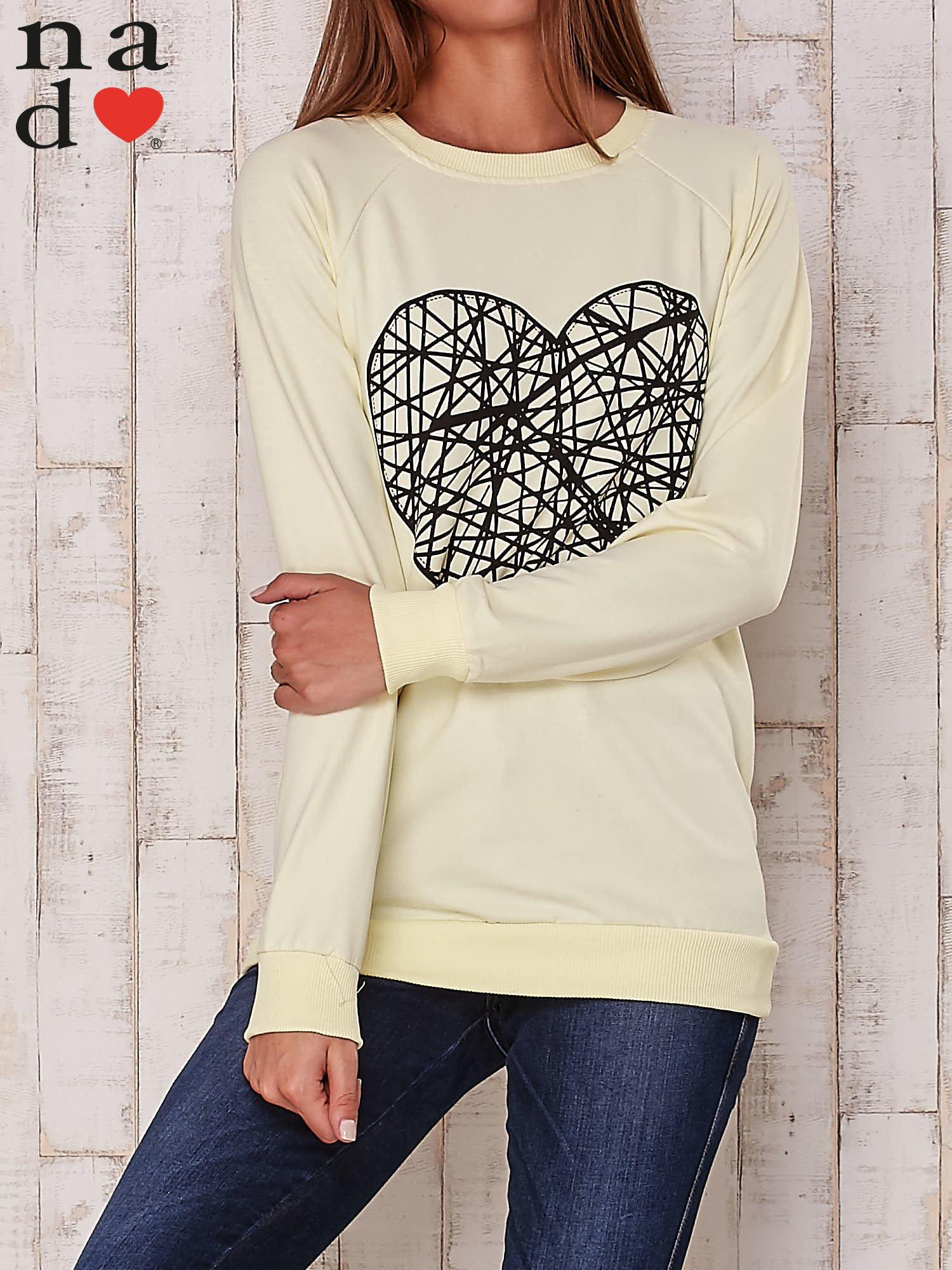 Żółta bluza z nadrukiem serca                                  zdj.                                  2