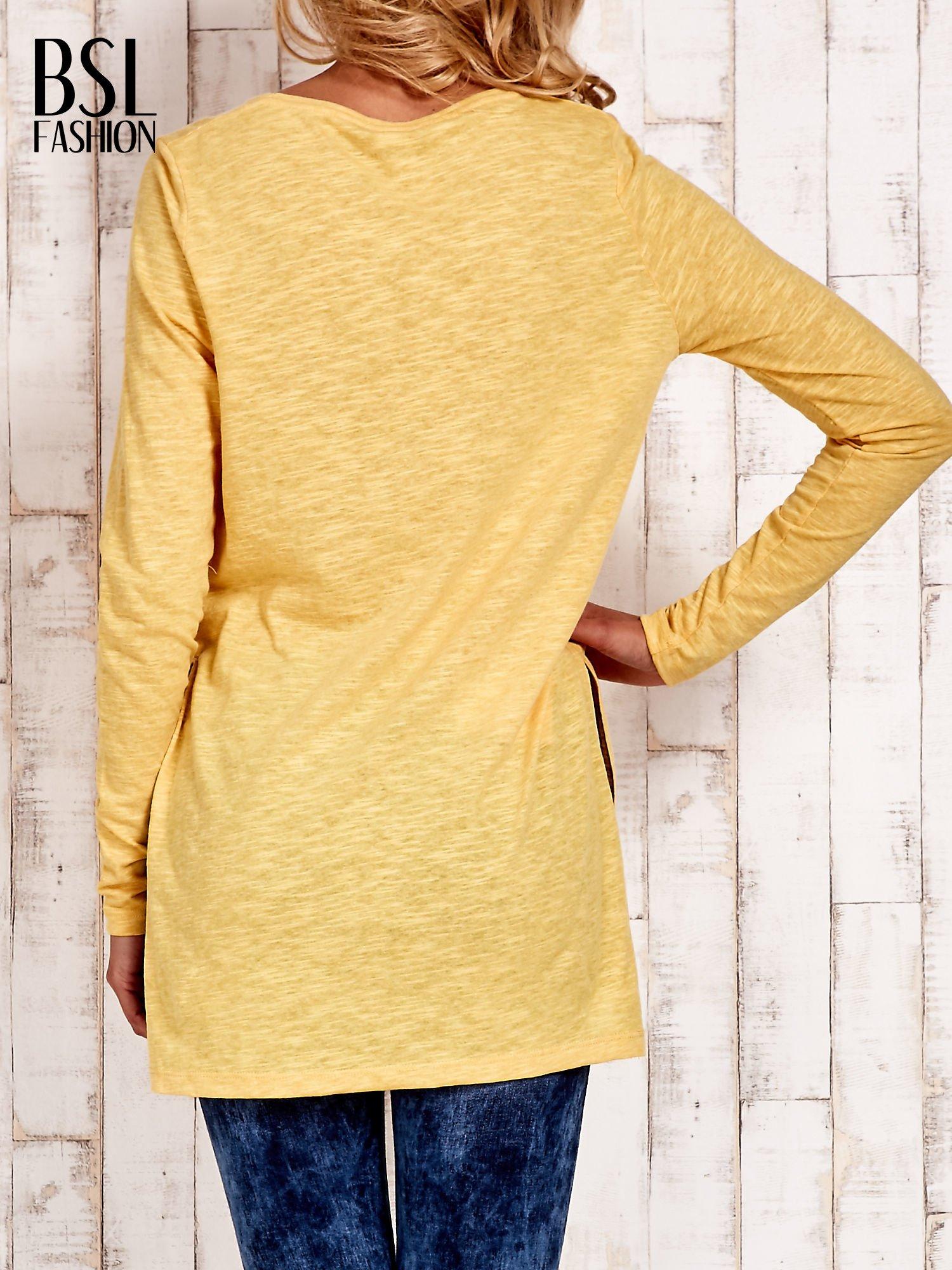Żółta bluzka z rozporkami z boku                                  zdj.                                  4