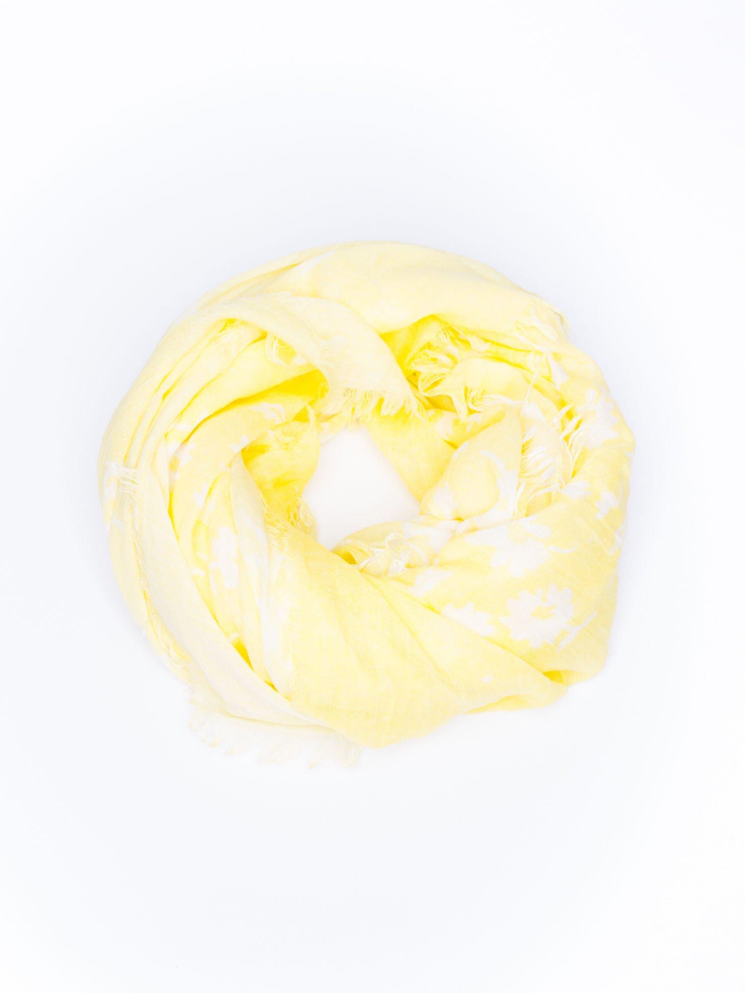 Żółta chustka w kwiatki z frędzlami                                  zdj.                                  2