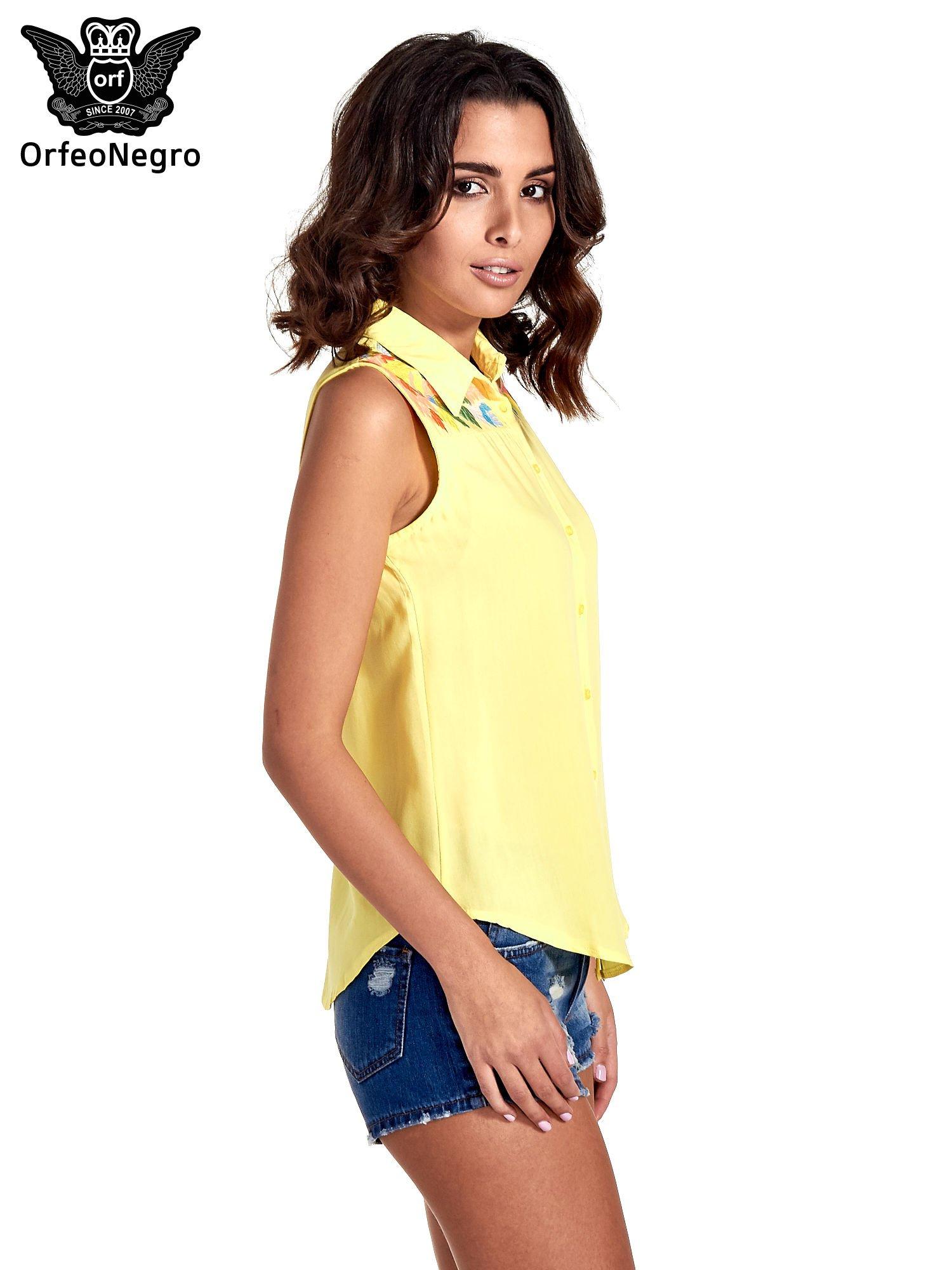 Żółta koszula bez rękawów z roślinnym haftem na górze                                  zdj.                                  3