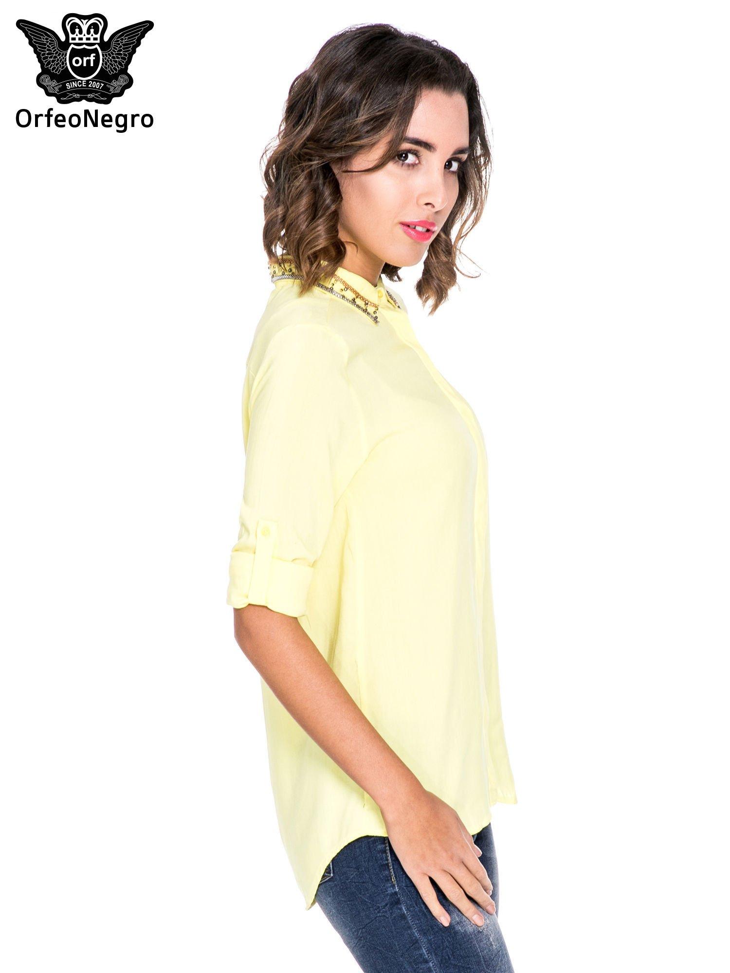 Żółta koszula z kołnierzykiem zdobionym koralikami                                  zdj.                                  3