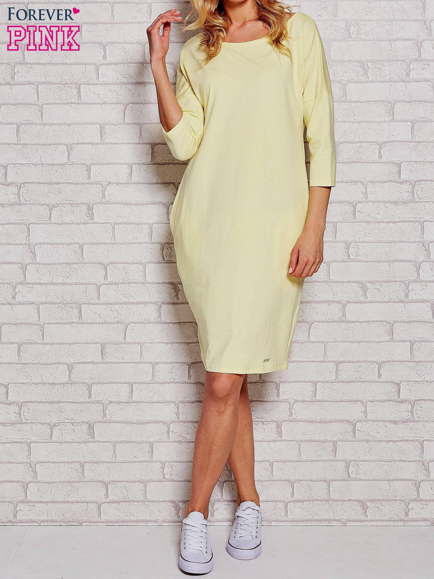 Żółta prosta sukienka dresowa                                  zdj.                                  1