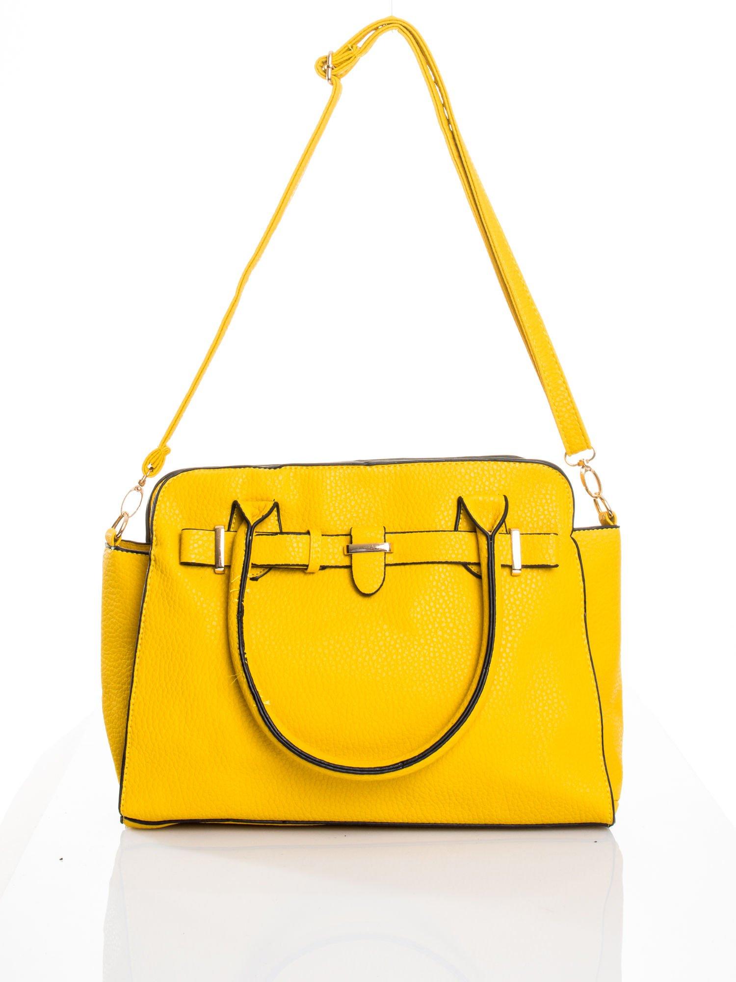 Żółta torba z klamrami z odpinanym paskiem                                  zdj.                                  5