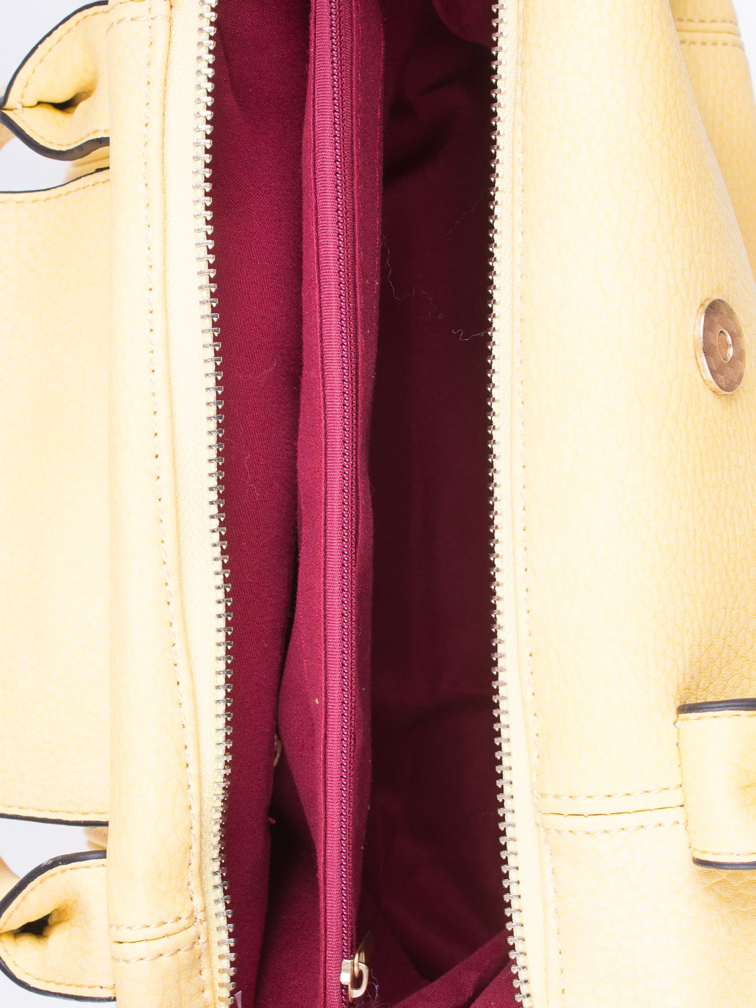 Żółta torba z klapką i odpinanym paskiem                                  zdj.                                  4