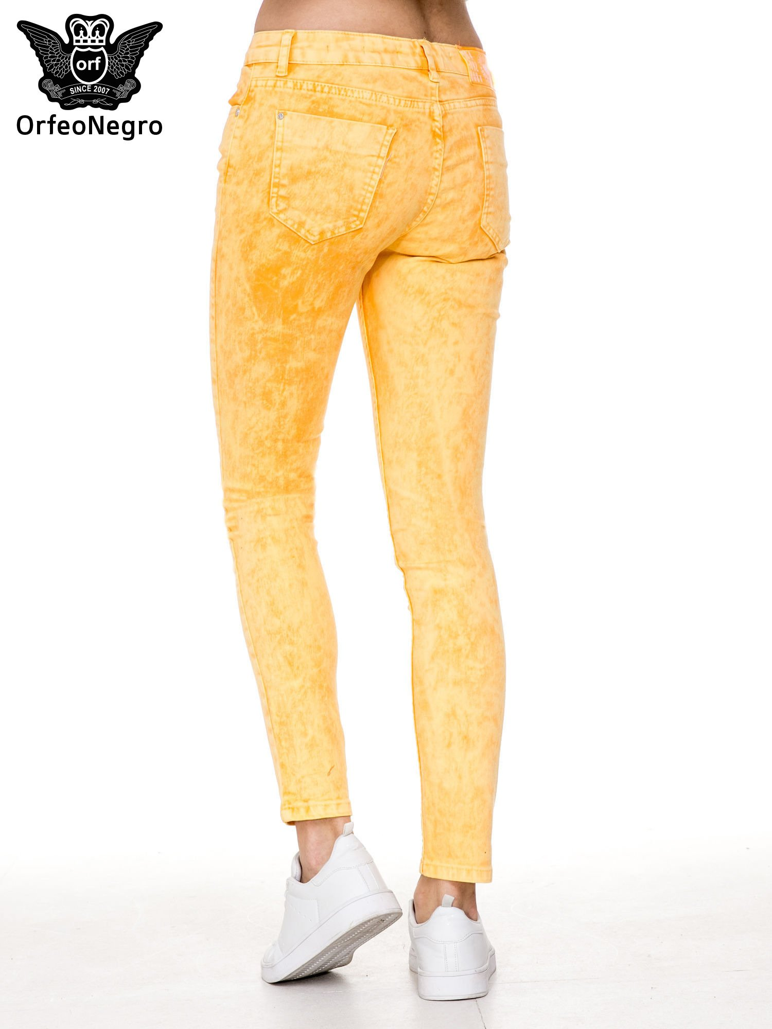 Żółte spodnie jeansowe rurki typu marmurki                                  zdj.                                  2