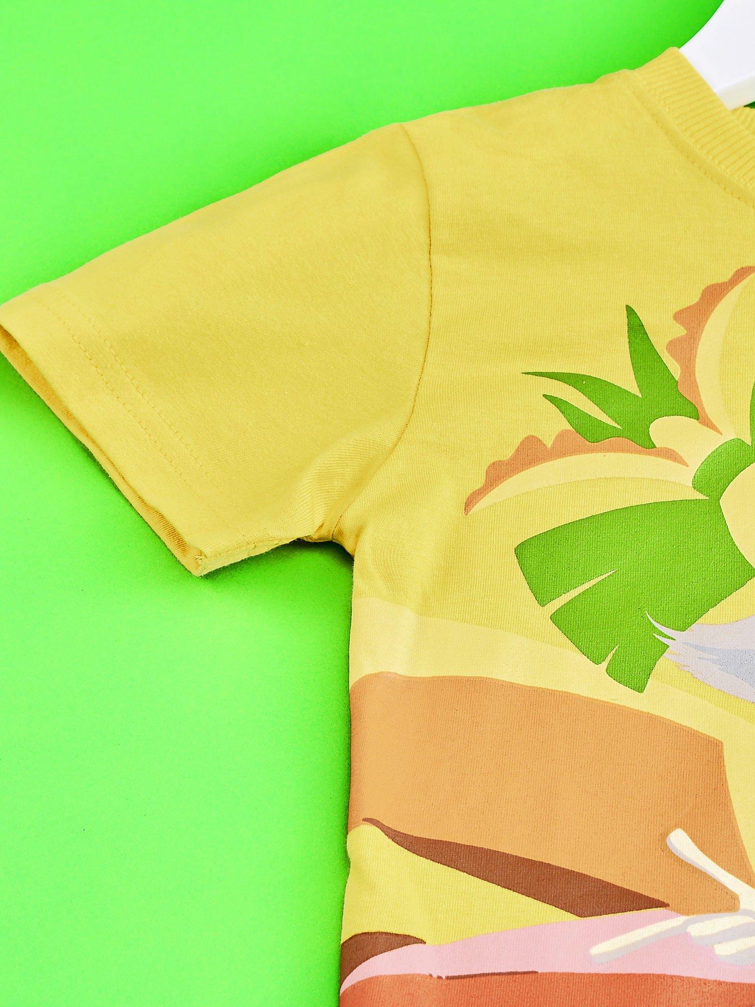 Żółty t-shirt chłopięcy z nadrukiem KRÓL JULIAN                                  zdj.                                  3