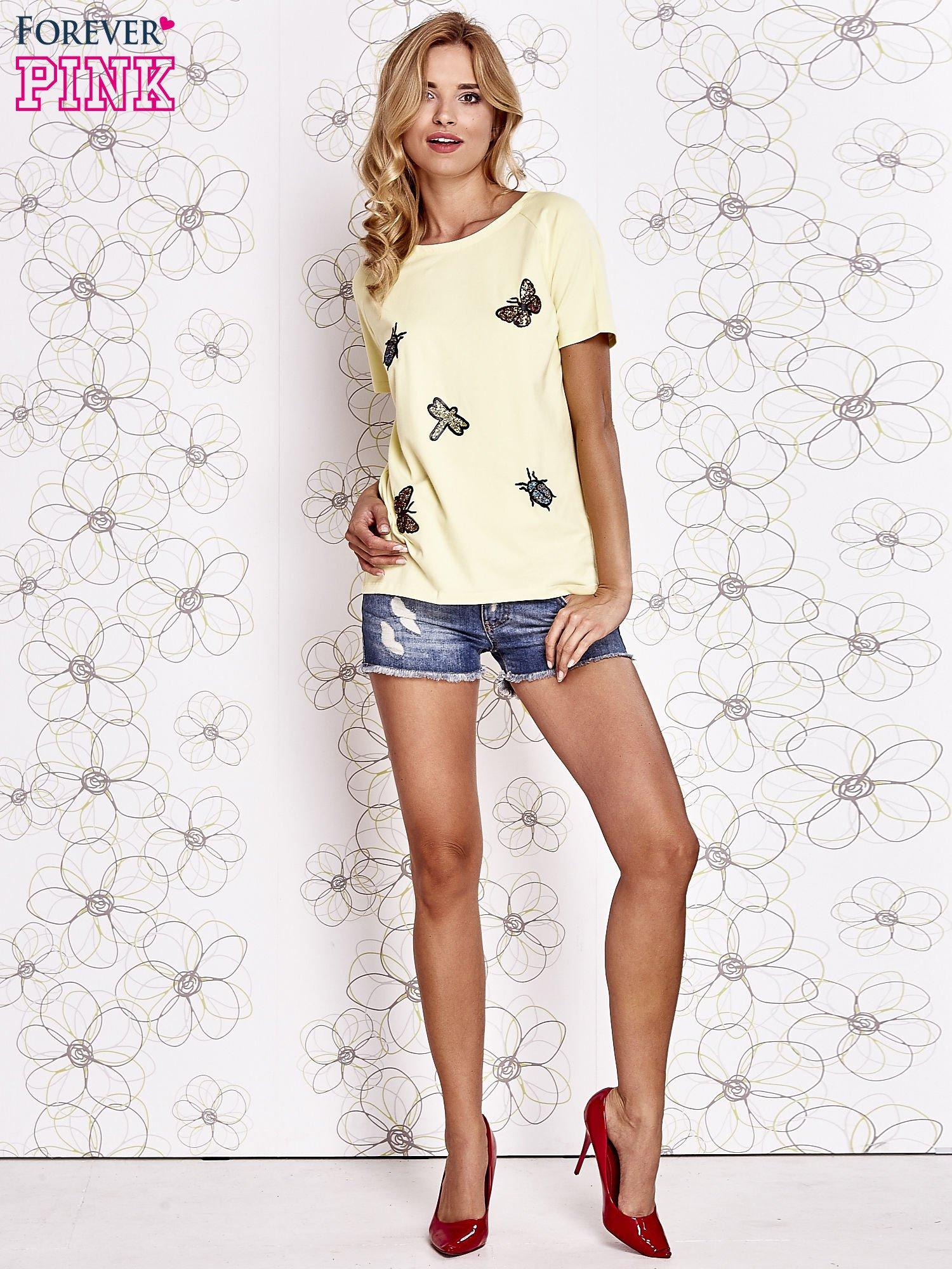 Żółty t-shirt z aplikacją owadów                                   zdj.                                  2