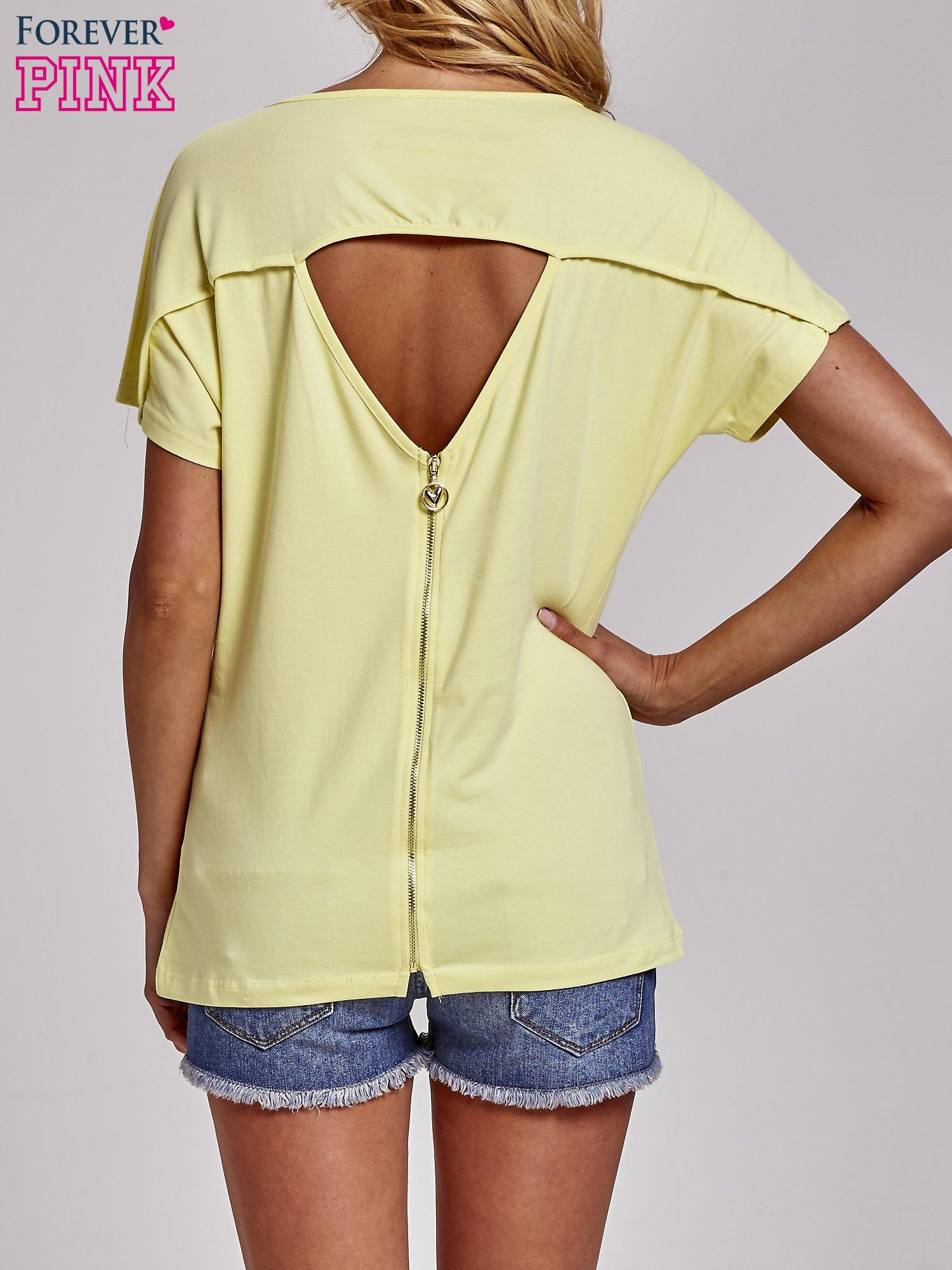 Żółty t-shirt z aplikacją z dżetów WHAT?                                  zdj.                                  2