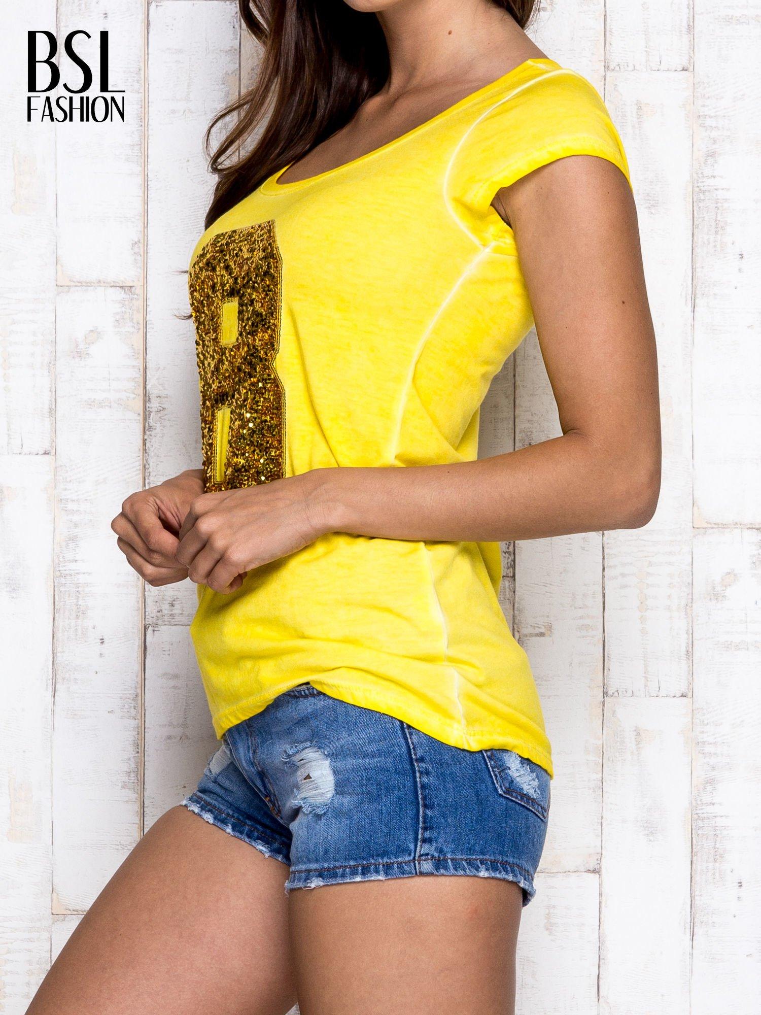 Żółty t-shirt z cekinową cyfrą 8                                  zdj.                                  3