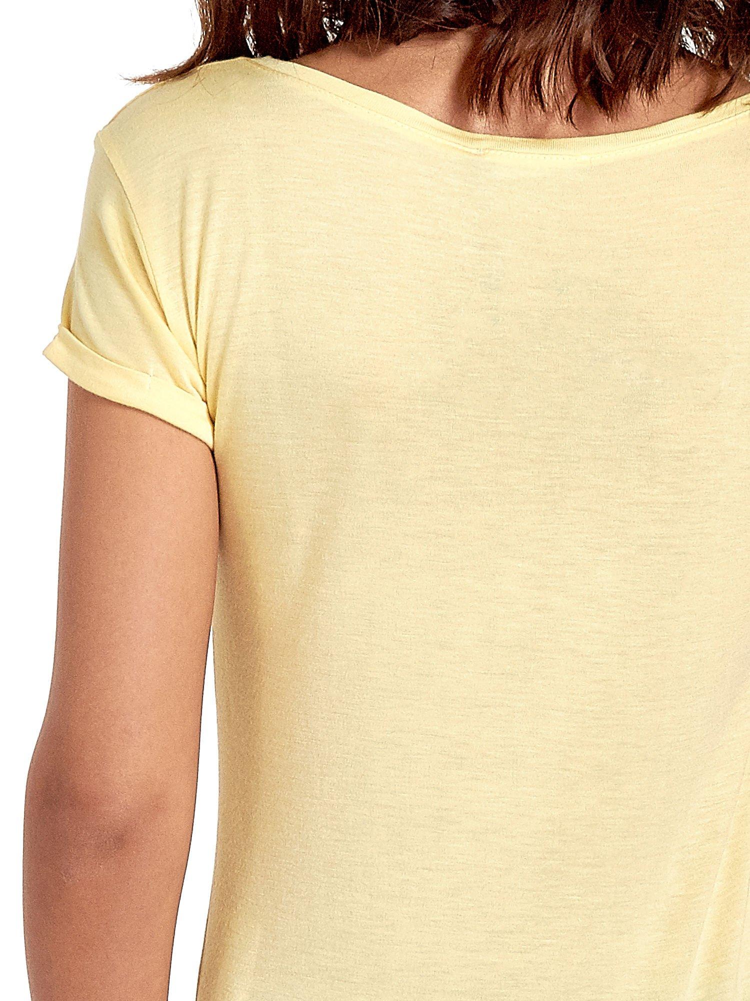 Żółty t-shirt z nadrukiem szczeniąt                                  zdj.                                  6