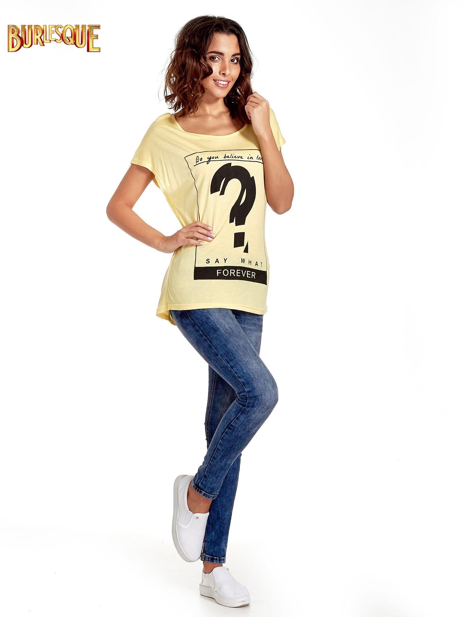 Żółty t-shirt z napisem DO YOU BELIEVE IN LOVE?                                  zdj.                                  8