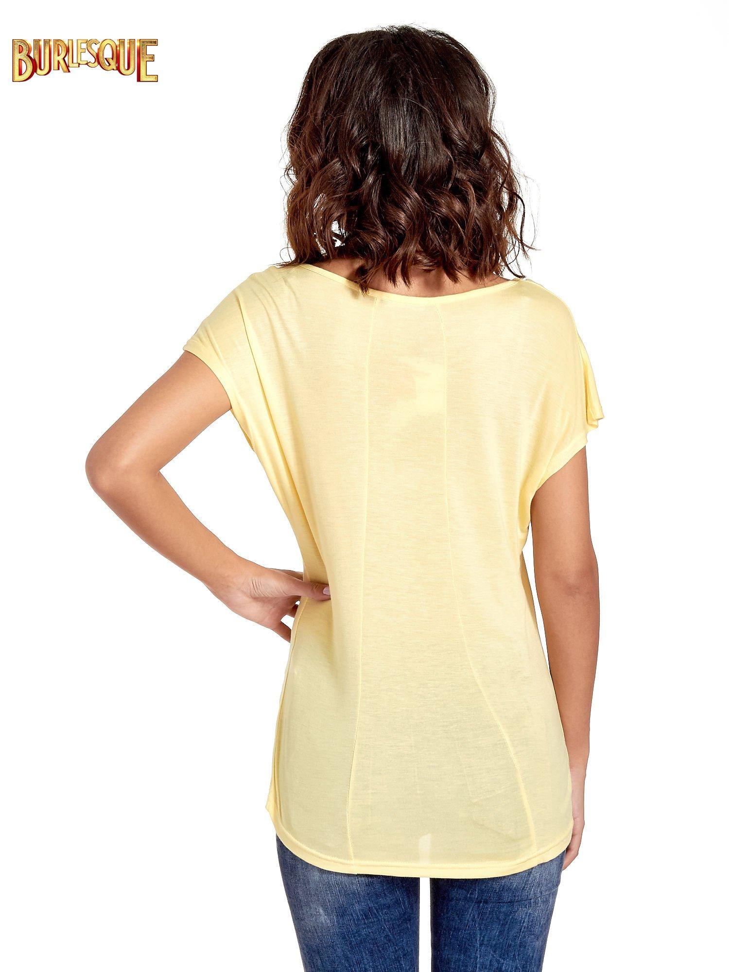 Żółty t-shirt z napisem DO YOU BELIEVE IN LOVE?                                  zdj.                                  4