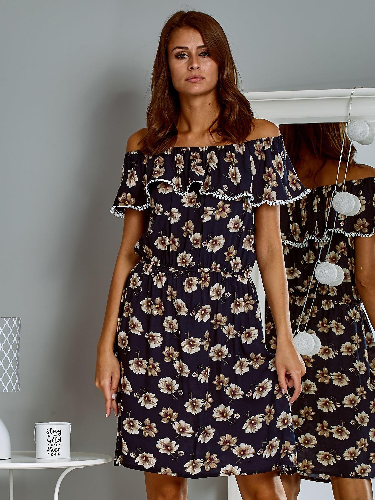 7aa58efbd883 Zwiewna sukienka letnia hiszpanka w kwiaty granatowa - Sukienka ...