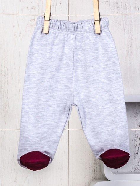 5-elementowy 100% bawełniany zestaw wyprawka niemowlęca ze sportowym haftem ecru-bordowa                              zdj.                              5