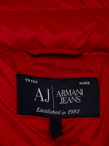 ARMANI JEANS Czerwona pikowana kurtka z kołnierzem                                  zdj.                                  4