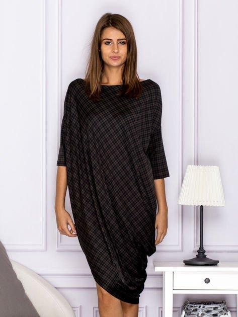Asymetryczna sukienka nietoperz w kratkę brązowa                                  zdj.                                  1